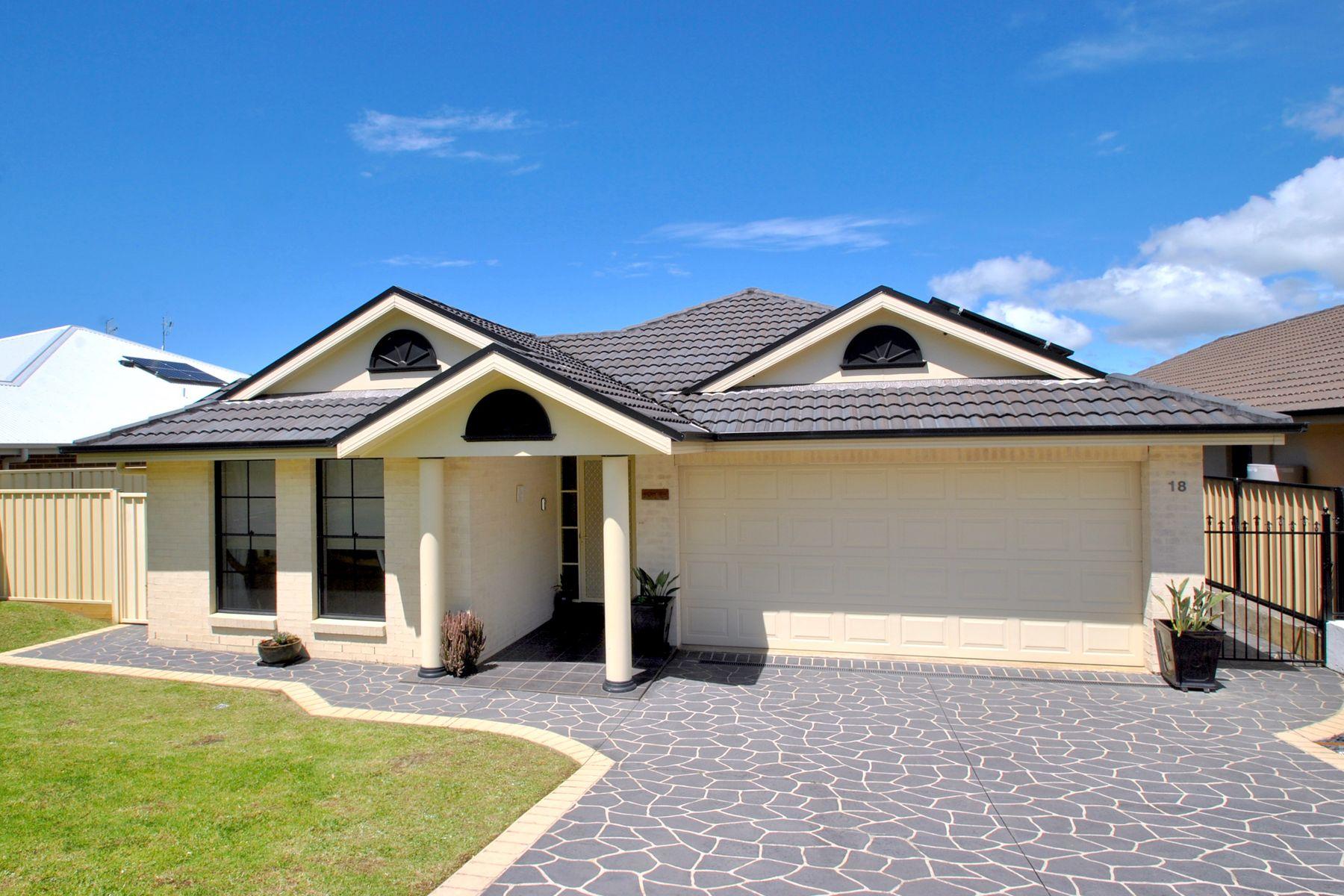 18 Stott Crescent, Callala Bay, NSW 2540