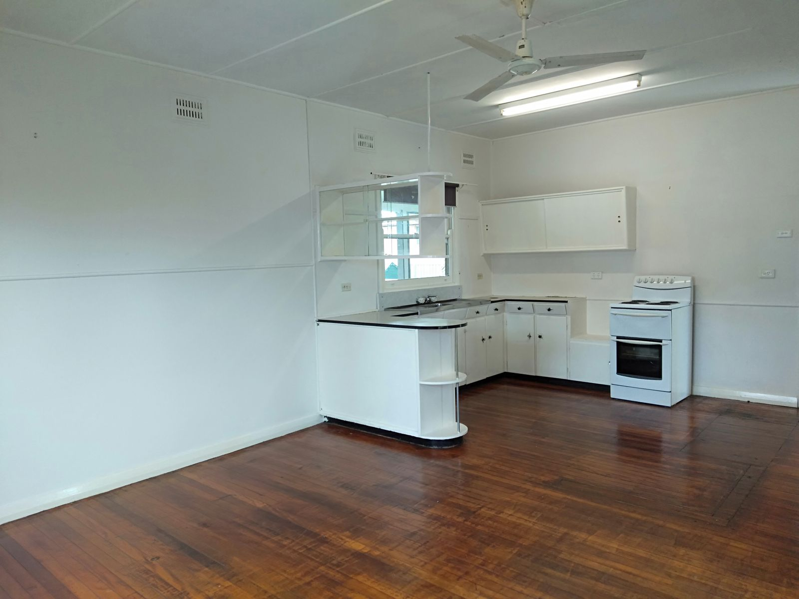 2A Commerce Lane, Taree, NSW 2430