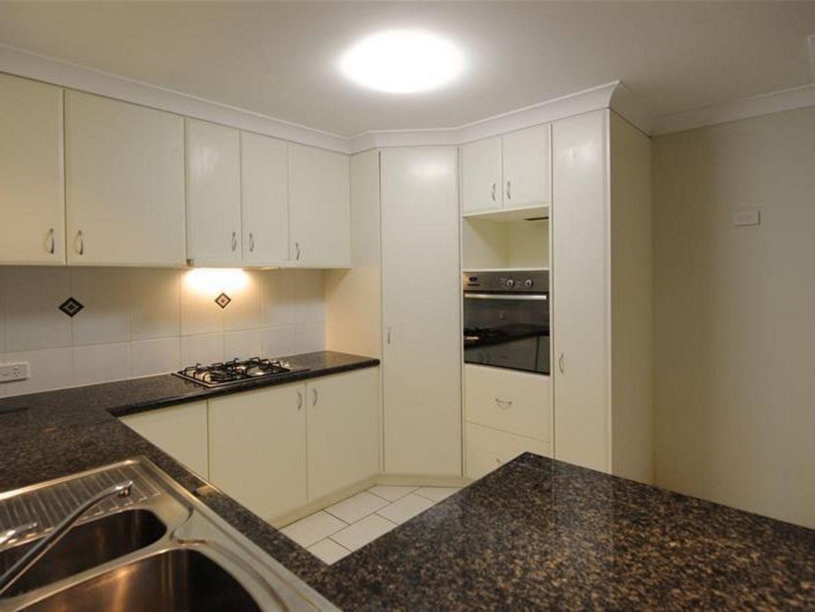 1/207 Nelson Street, Kearneys Spring, QLD 4350