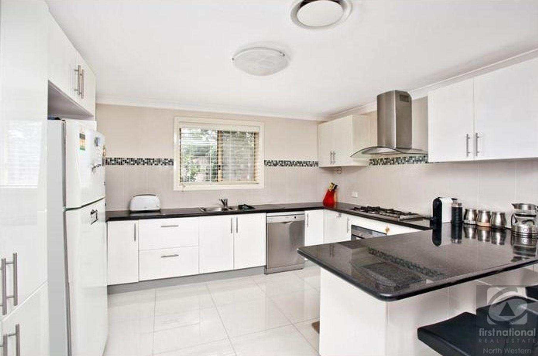 8 Ridgeway Crescent, Quakers Hill, NSW 2763
