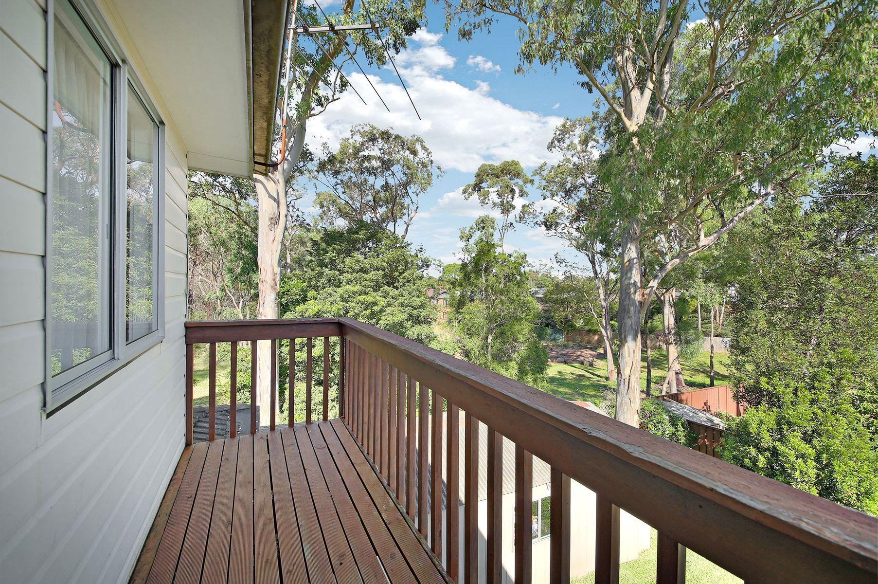 8 Fifth Avenue, Macquarie Fields, NSW 2564