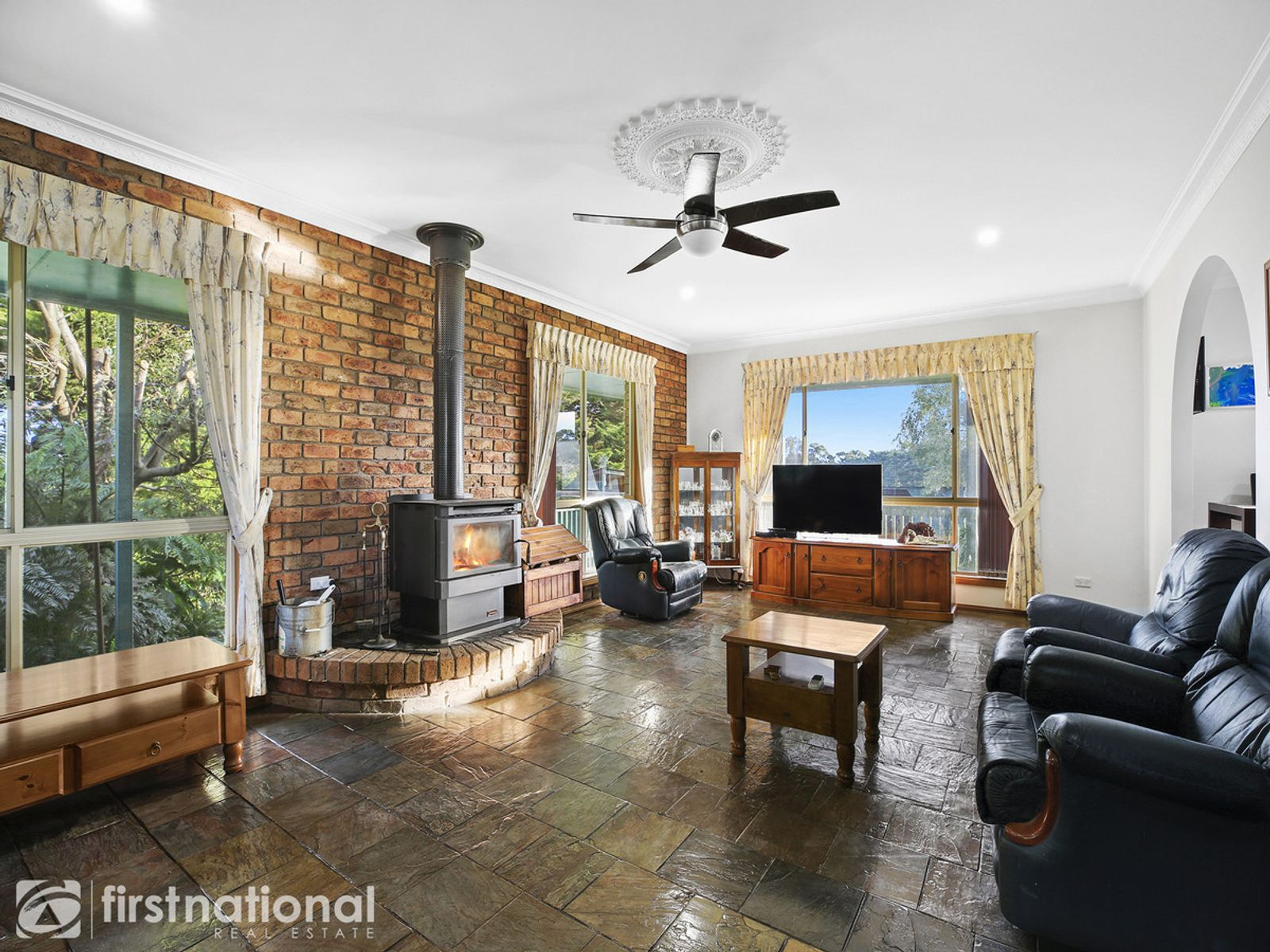 2515 Willow Grove Road, Hill End, VIC 3825