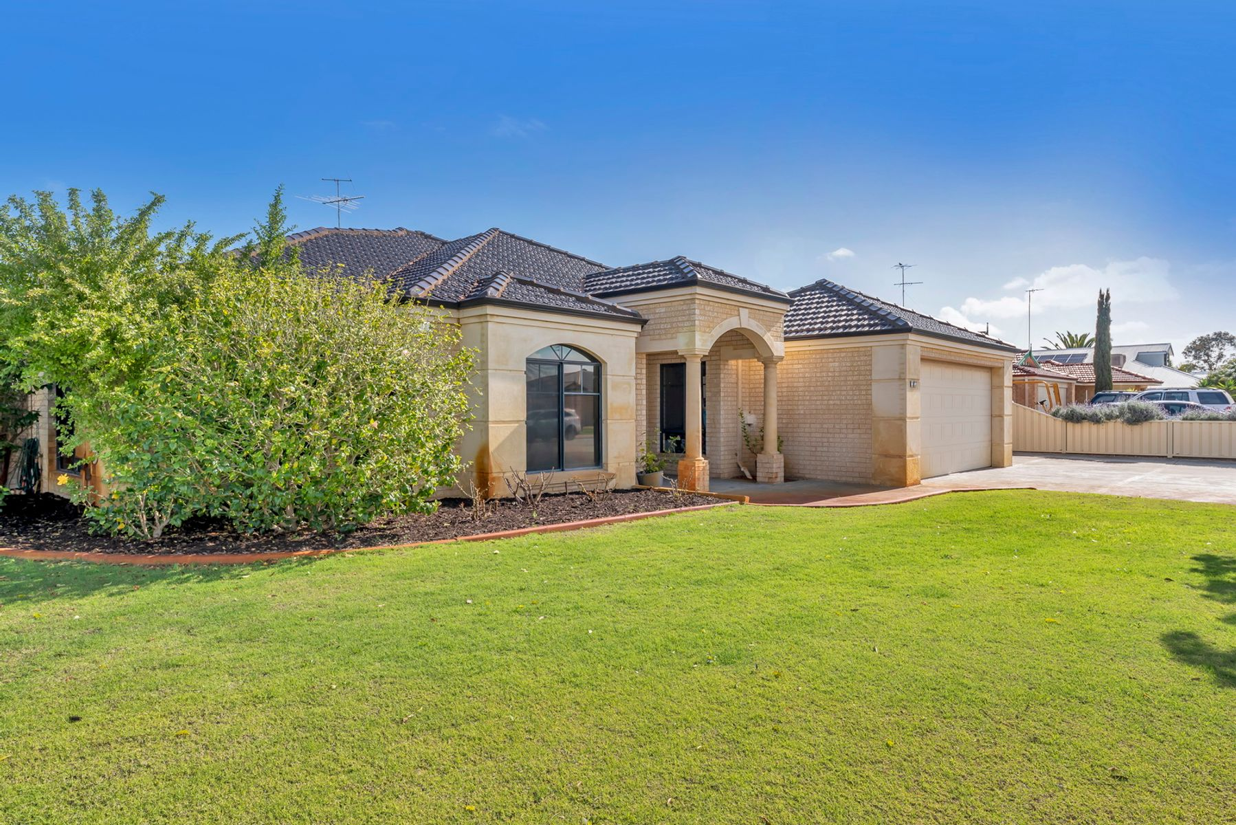 17 Country Road, Pinjarra, WA 6208