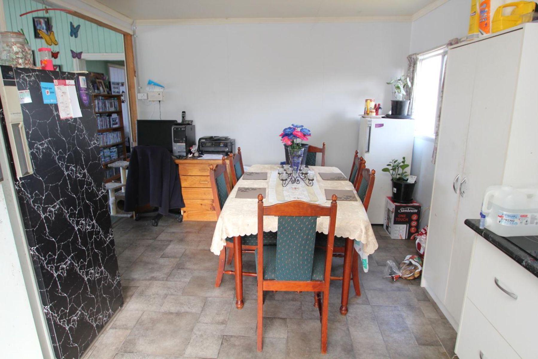 41 Woodlawn Street, Wallangarra, QLD 4383