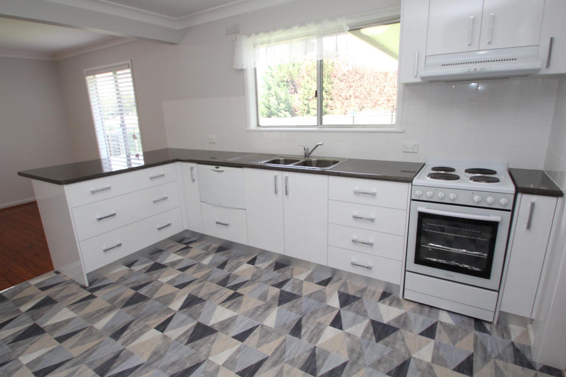 124 Bulwer Street, Tenterfield, NSW 2372