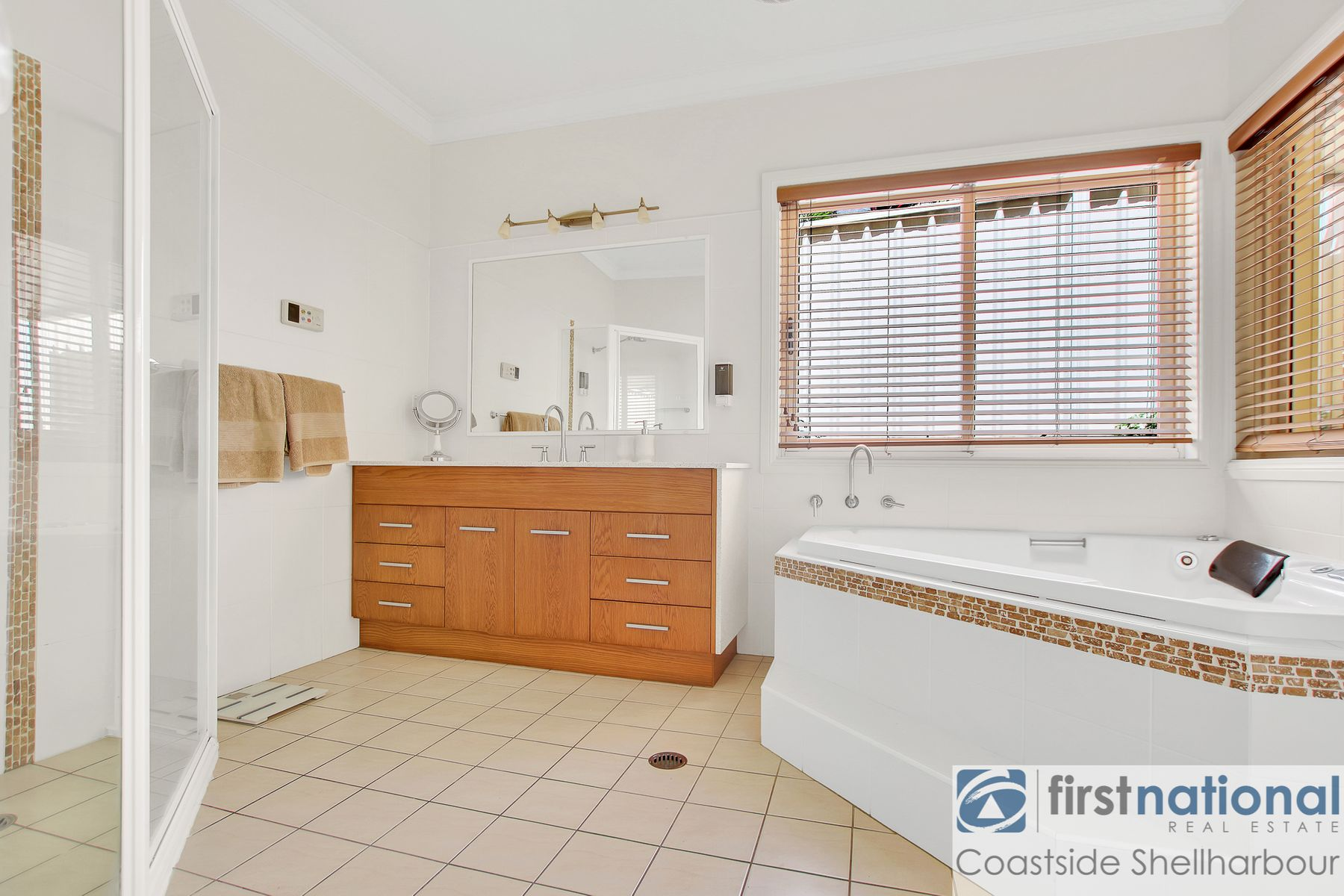 4 Southern Cross Boulevard, Shell Cove, NSW 2529