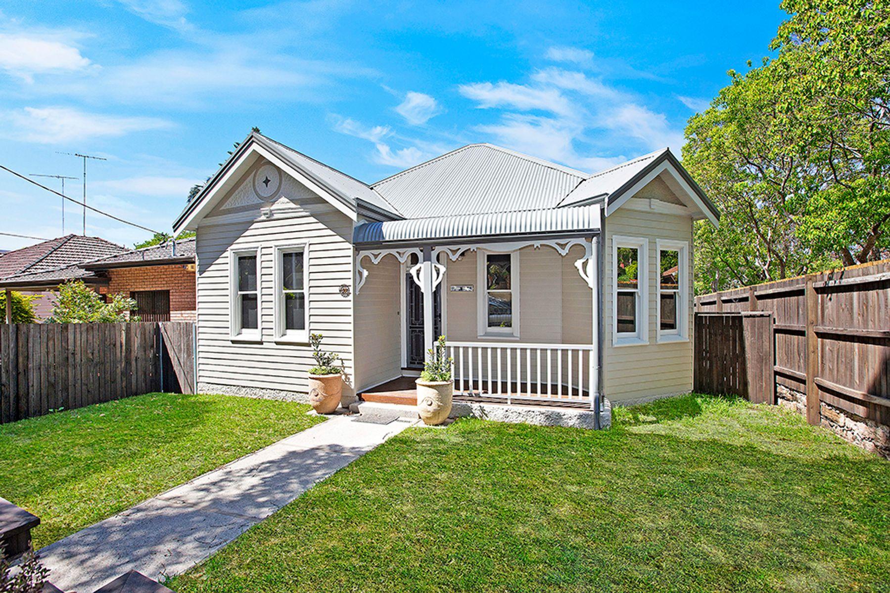 28 Ness Avenue, Dulwich Hill, NSW 2203