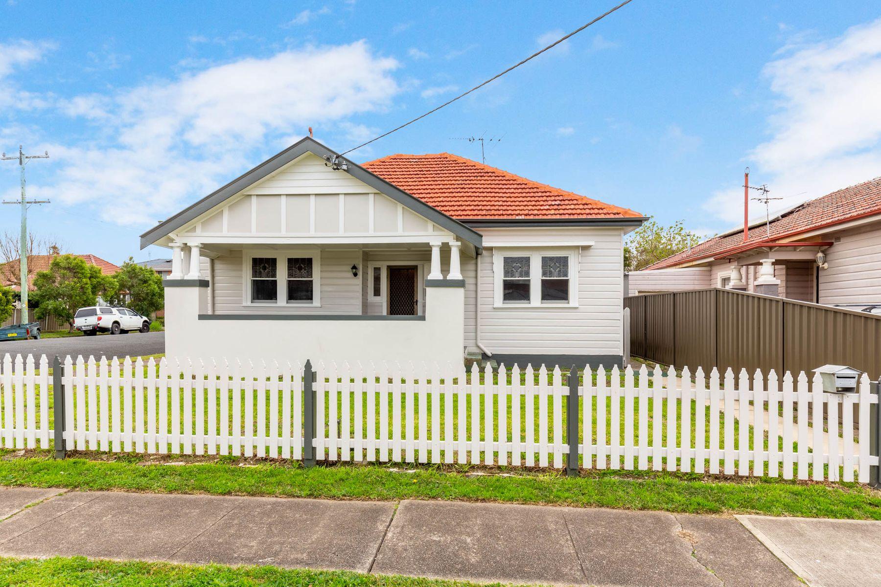 16 Bourke Street, Mayfield, NSW 2304