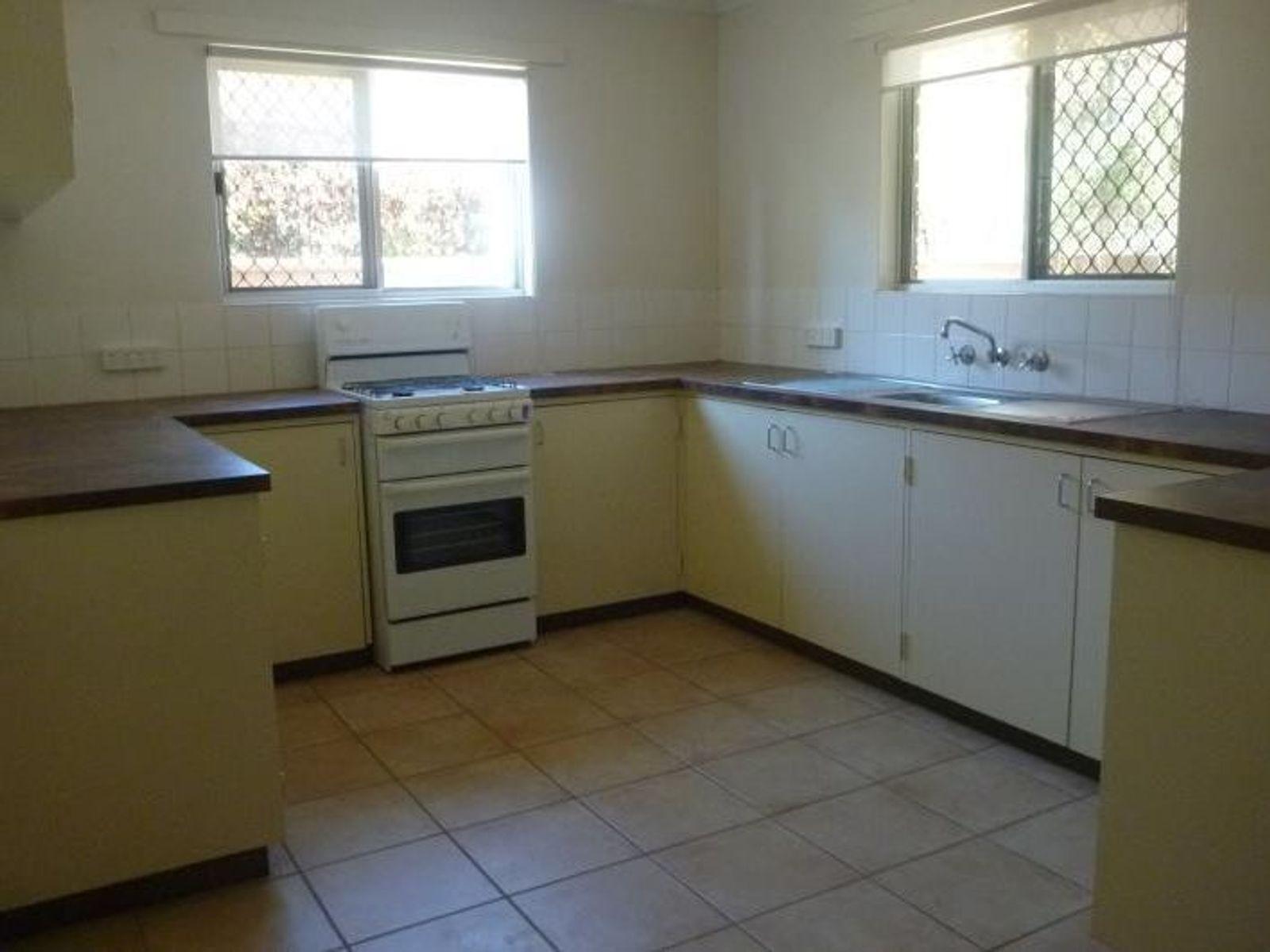 2/9 Erumba Street, Alice Springs, NT 0870