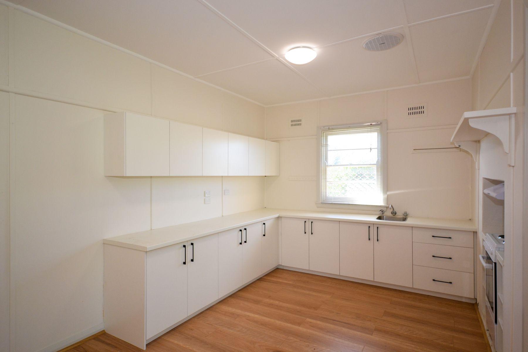 16 Sydney Road, Mudgee, NSW 2850