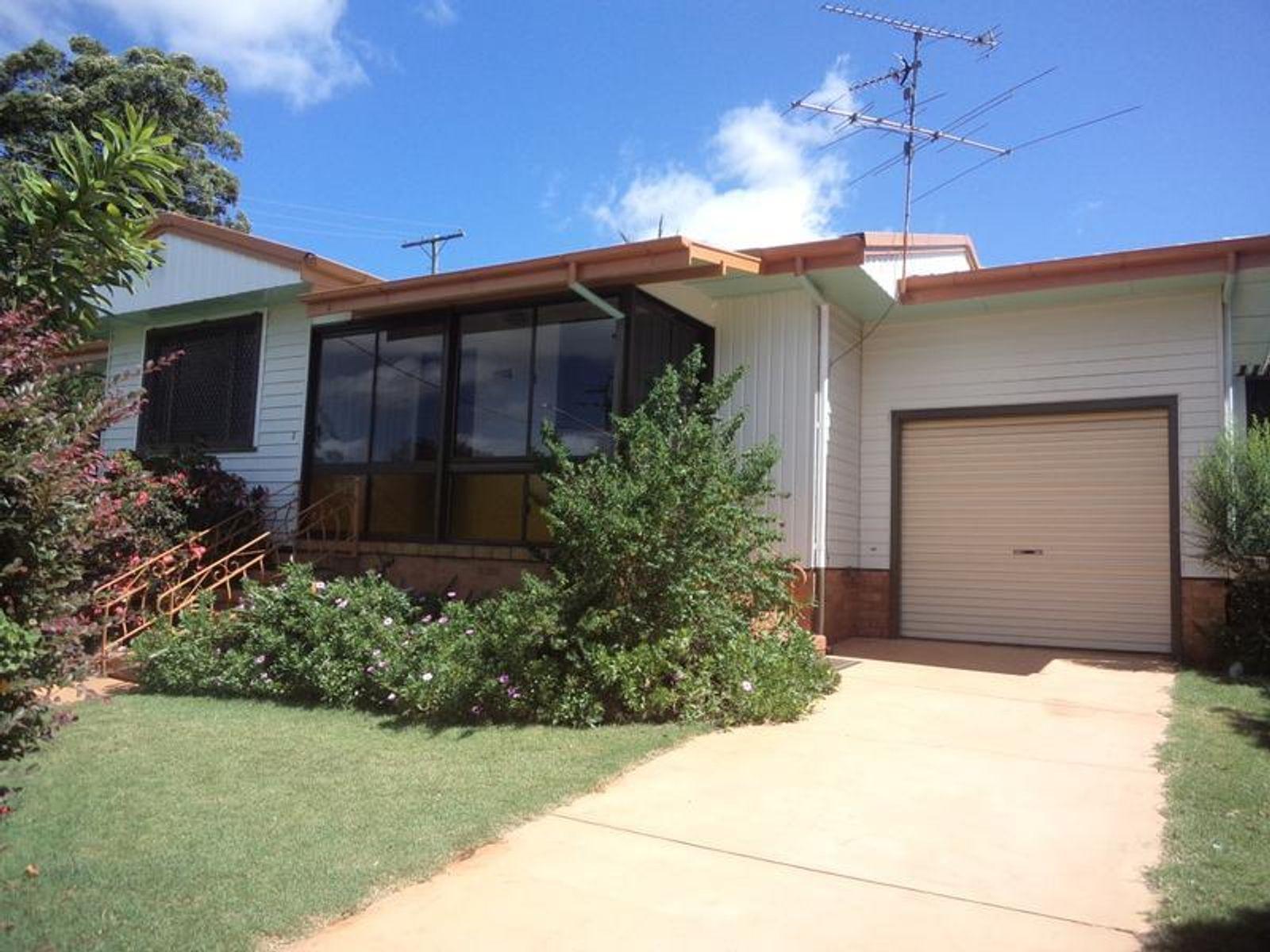 1 Alfred Street, Mount Lofty, QLD 4350