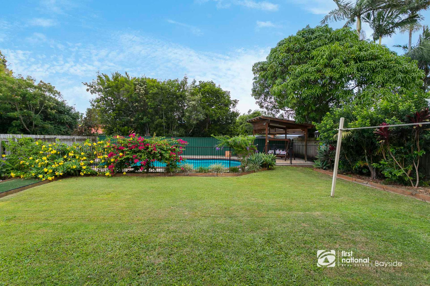 213 James Street, Redland Bay, QLD 4165