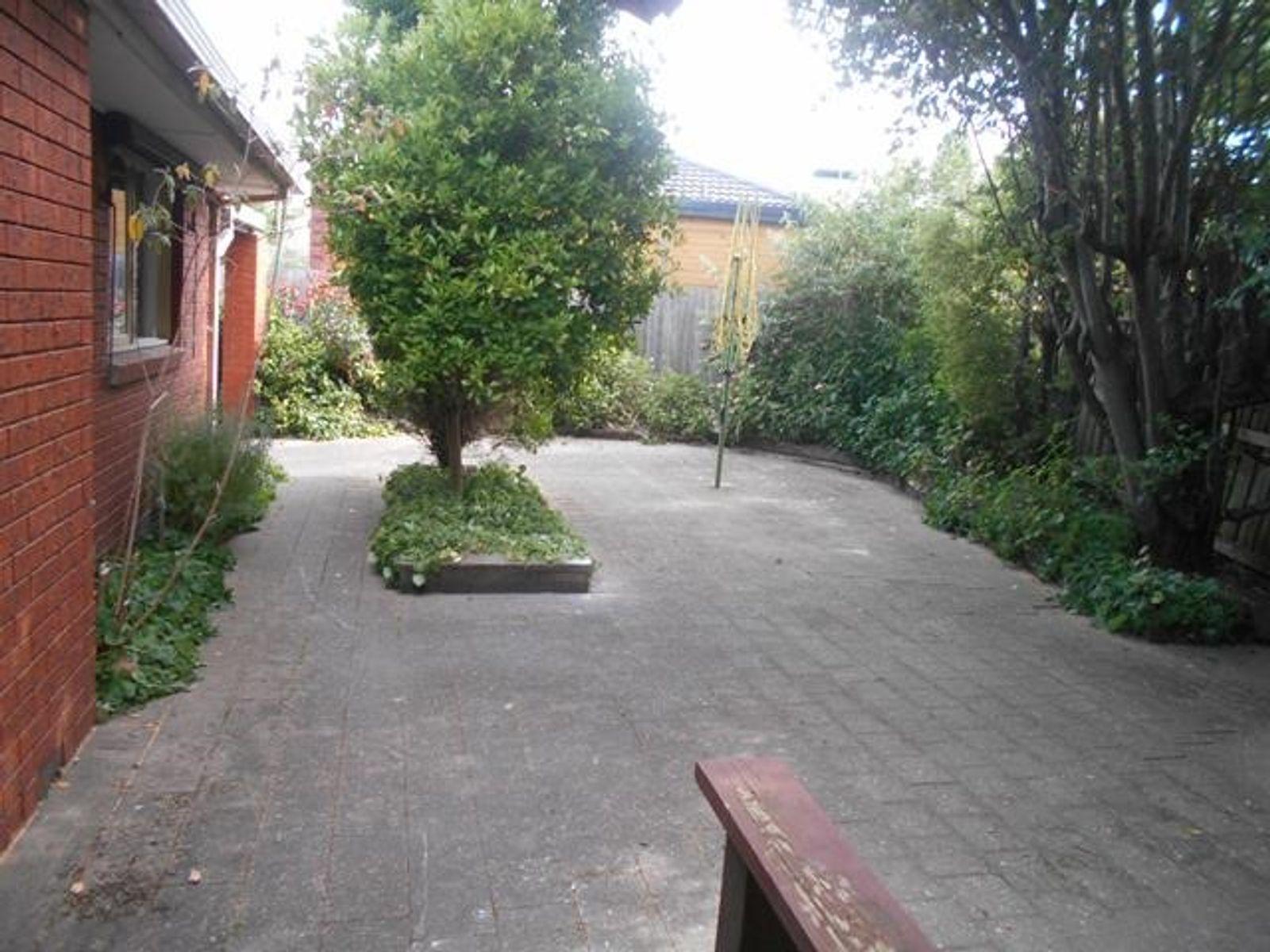 6 Sandhurst Road, Wantirna, VIC 3152