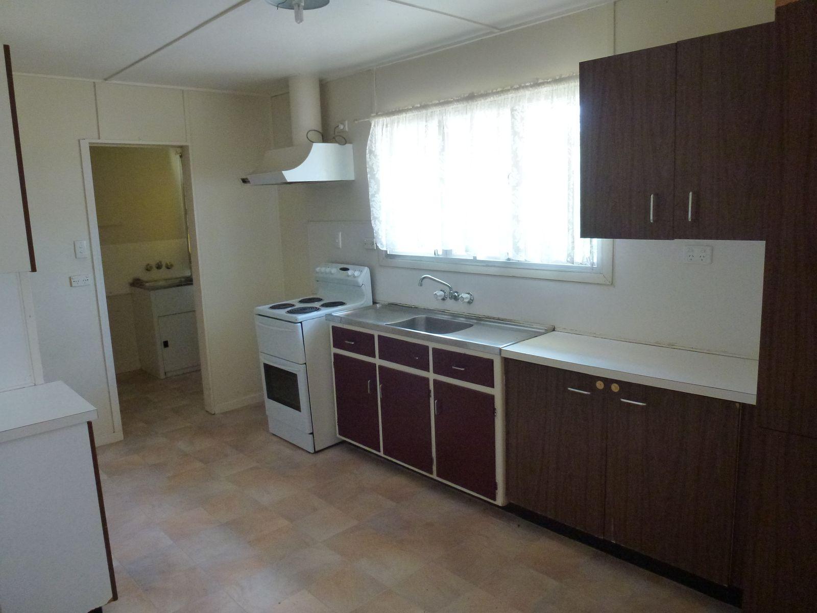 4 Cassia Court, Nebo, QLD 4742