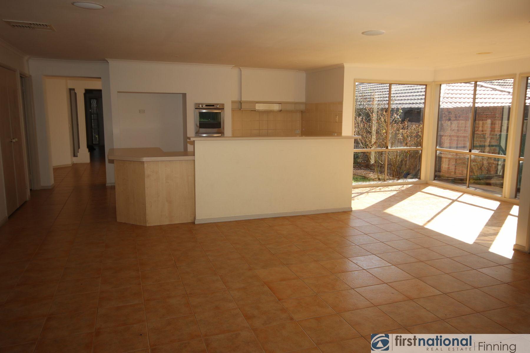 13 Borrowdale, Cranbourne West, VIC 3977