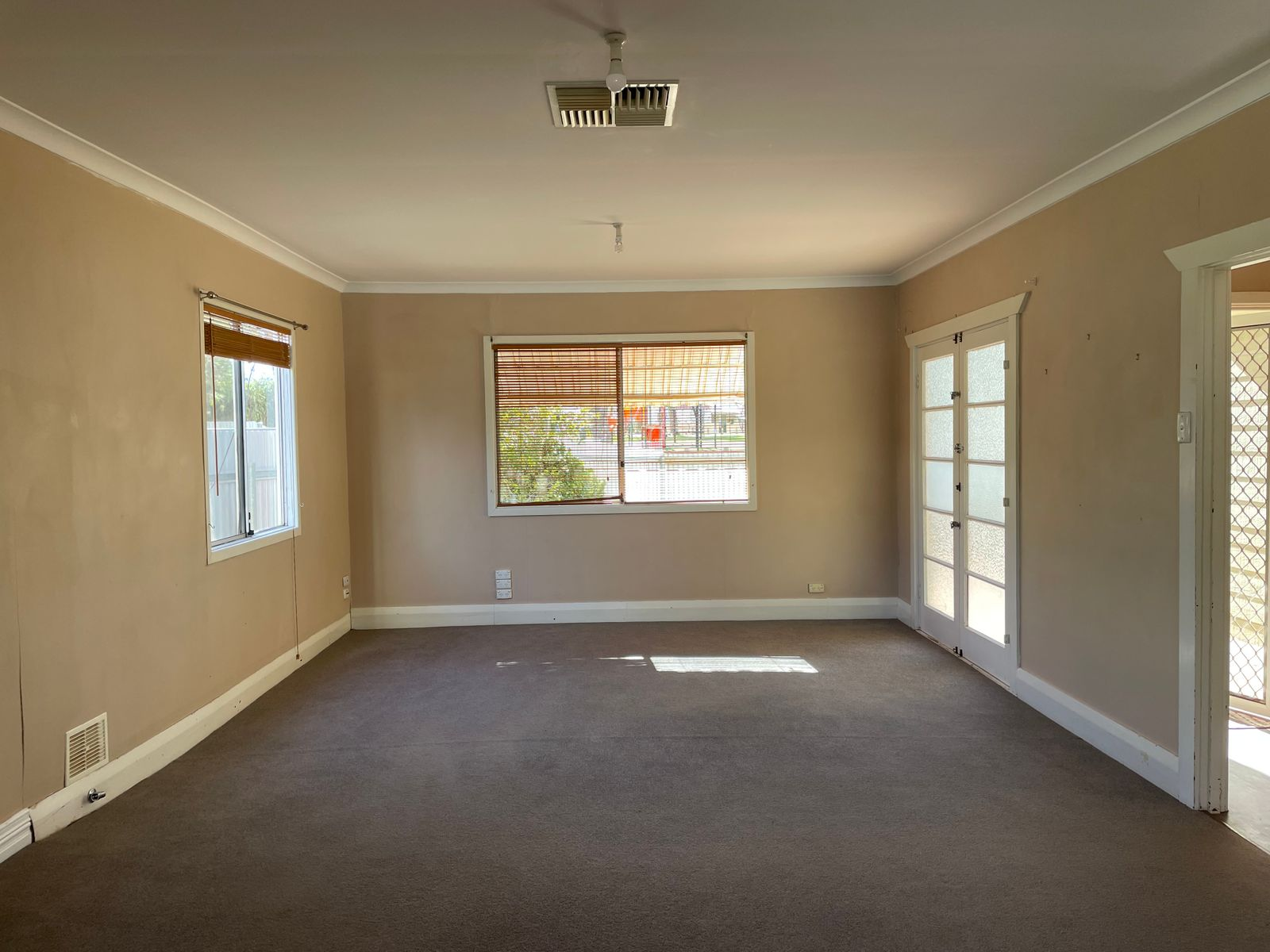 21 Rosenberg Crescent, South Kalgoorlie, WA 6430