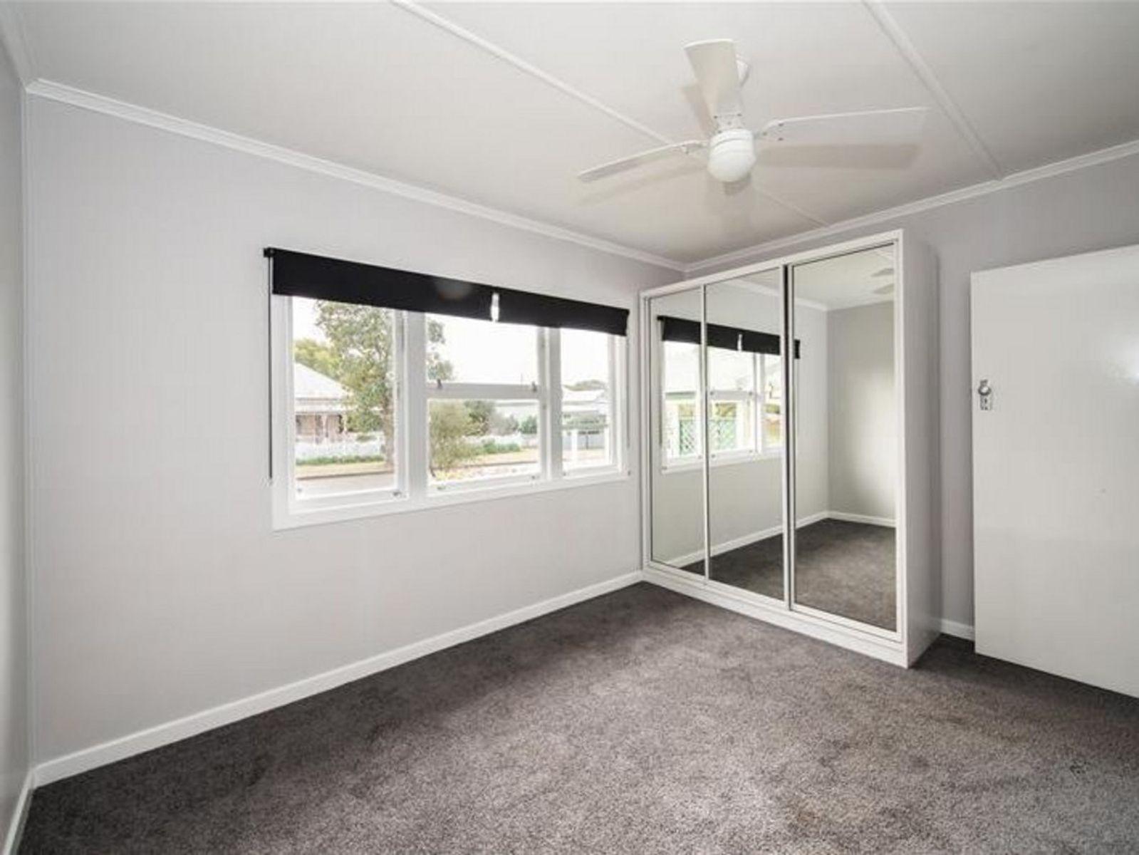 6 Wombyra Street, Newtown, QLD 4350