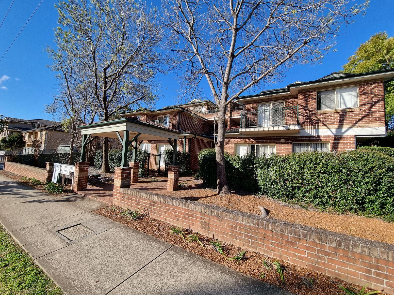 2/10 Dent Street, Penrith, NSW 2750