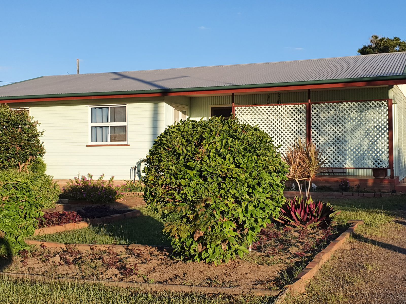38 Dunn Road, Avenell Heights, QLD 4670