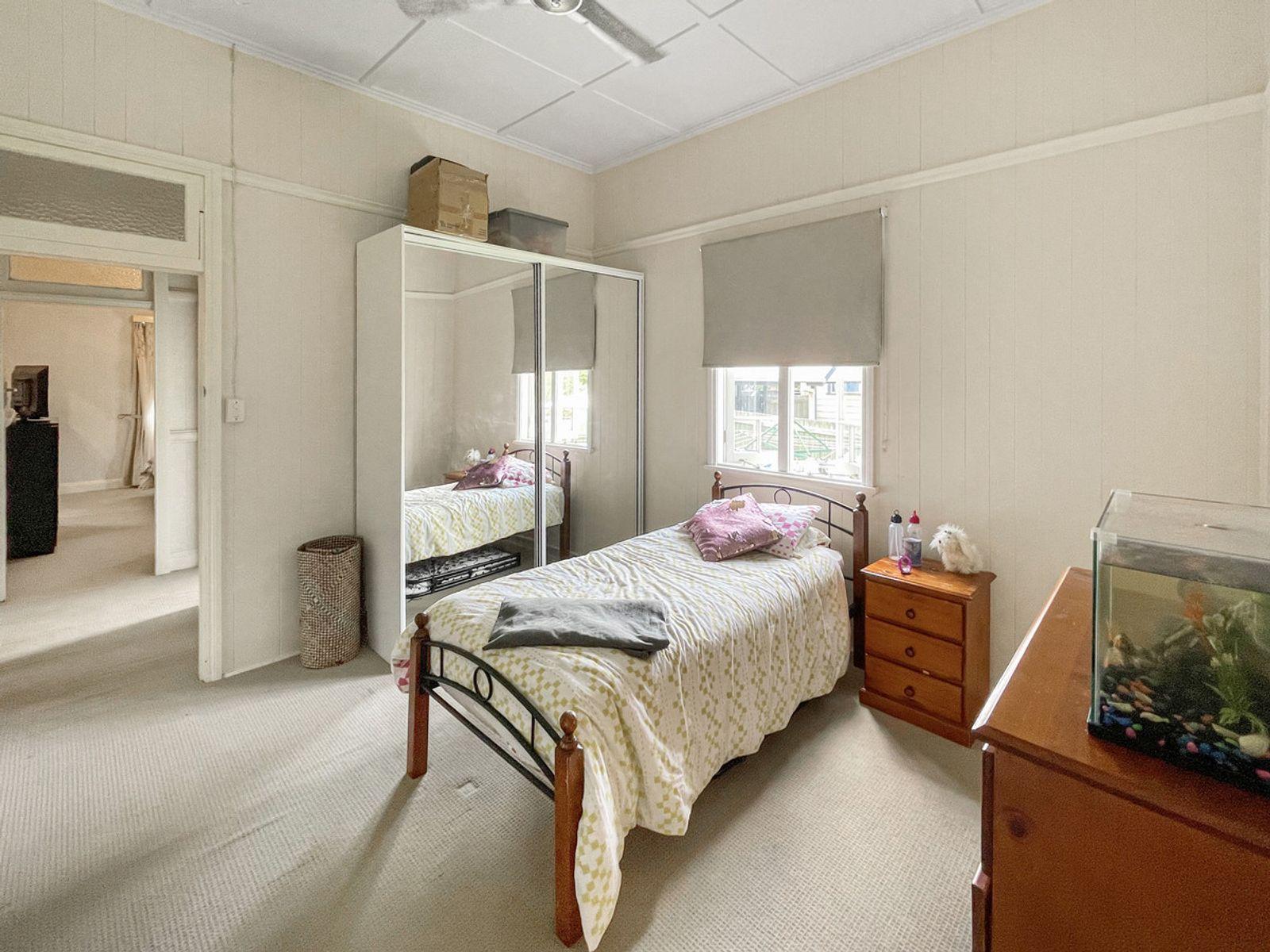 33 Hume Street, North Toowoomba, QLD 4350