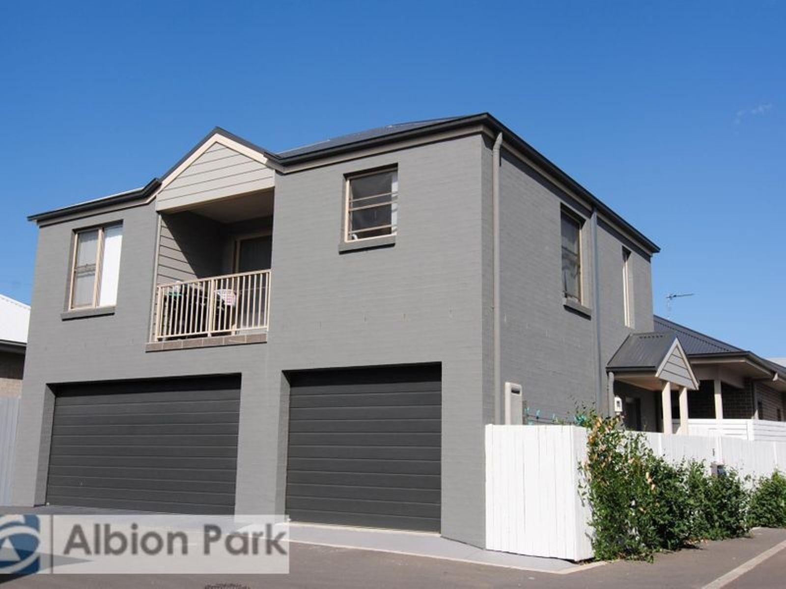 5 Bega Lane, Tullimbar, NSW 2527
