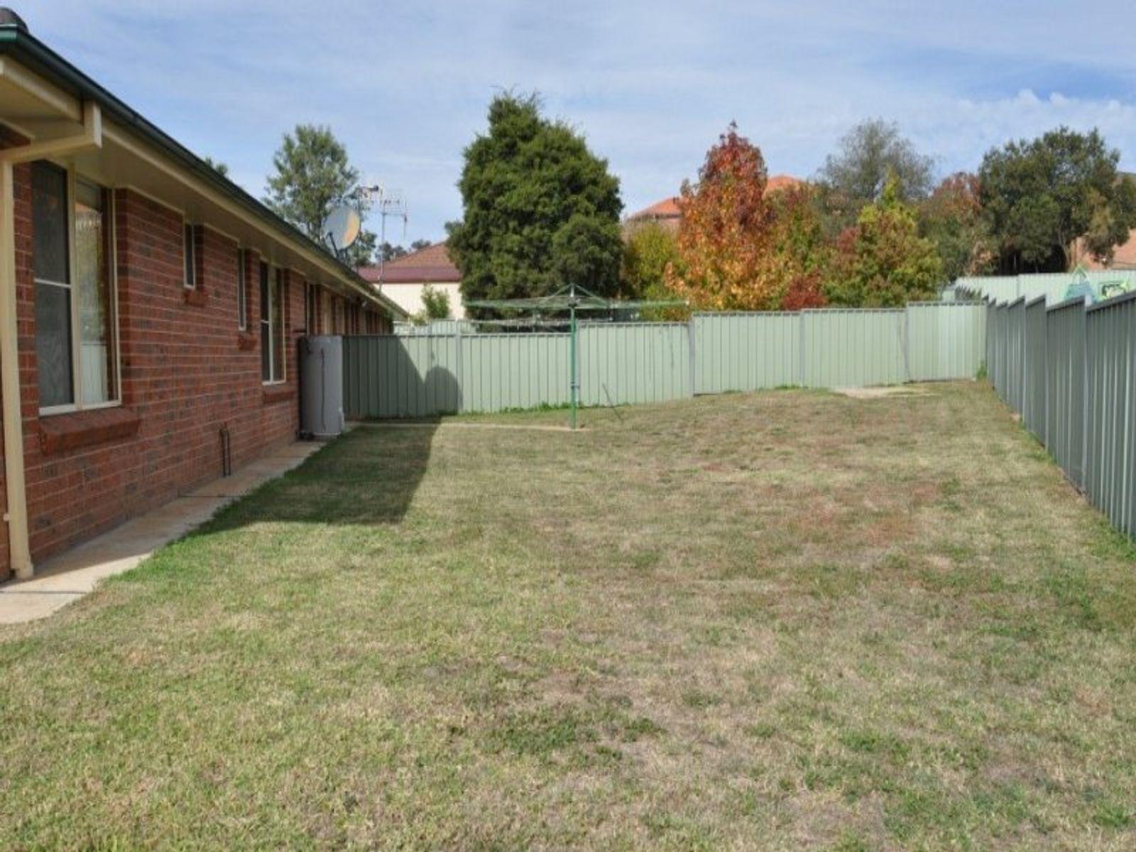 2/6 Stonestreet Place, Windradyne, NSW 2795