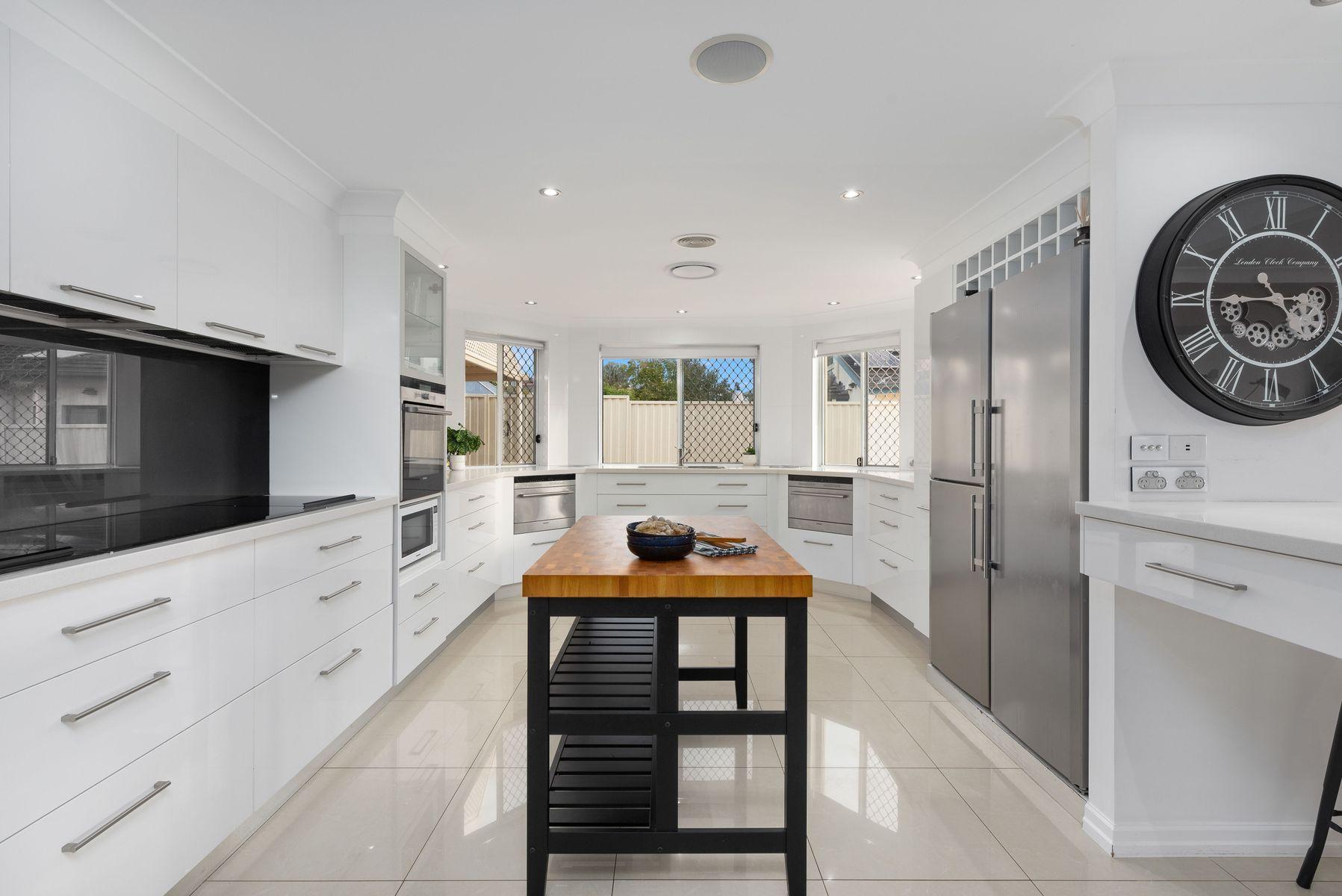 18 Lakeview Place, Glen Alpine, NSW 2560