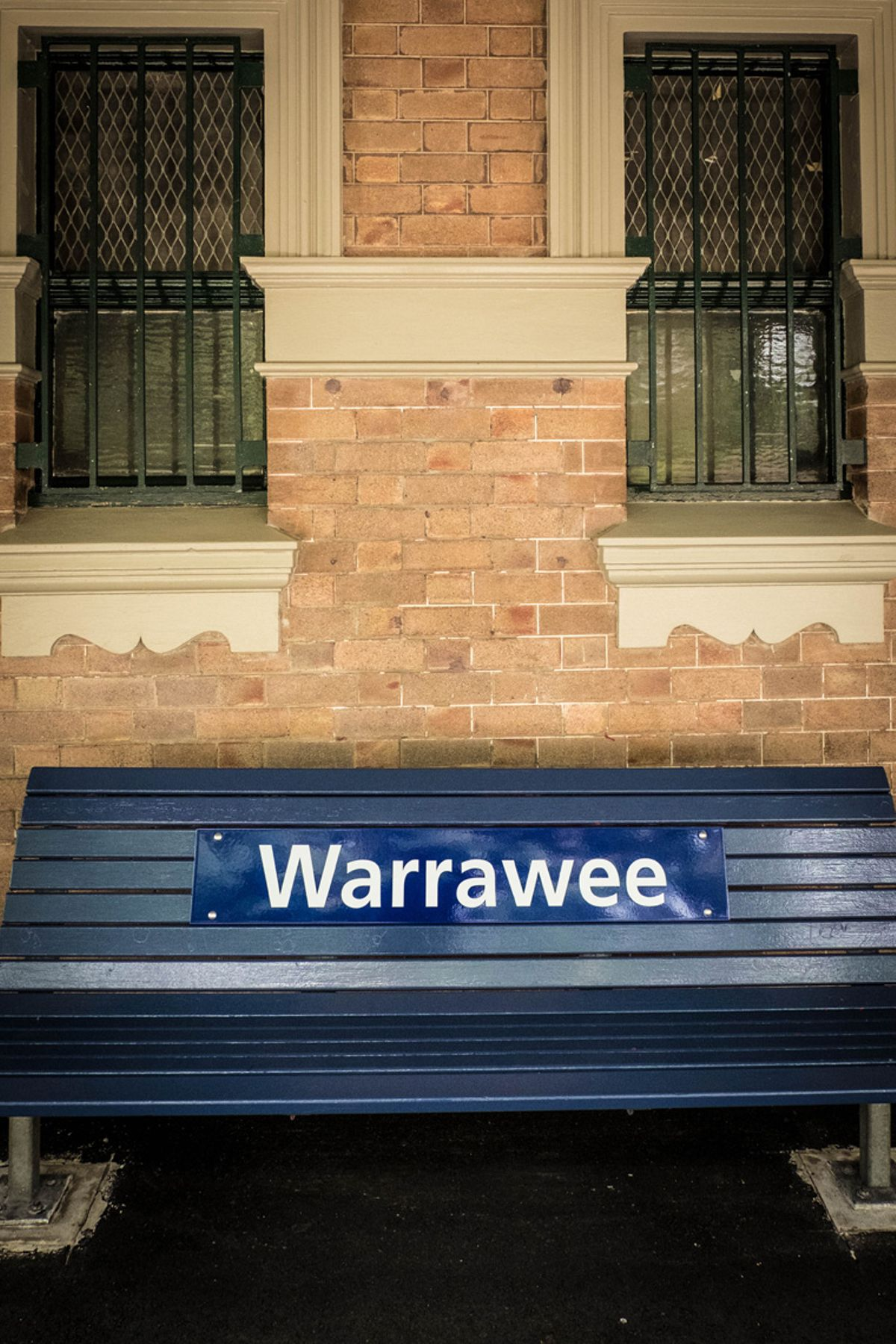 MB - Warrawee - Train Station