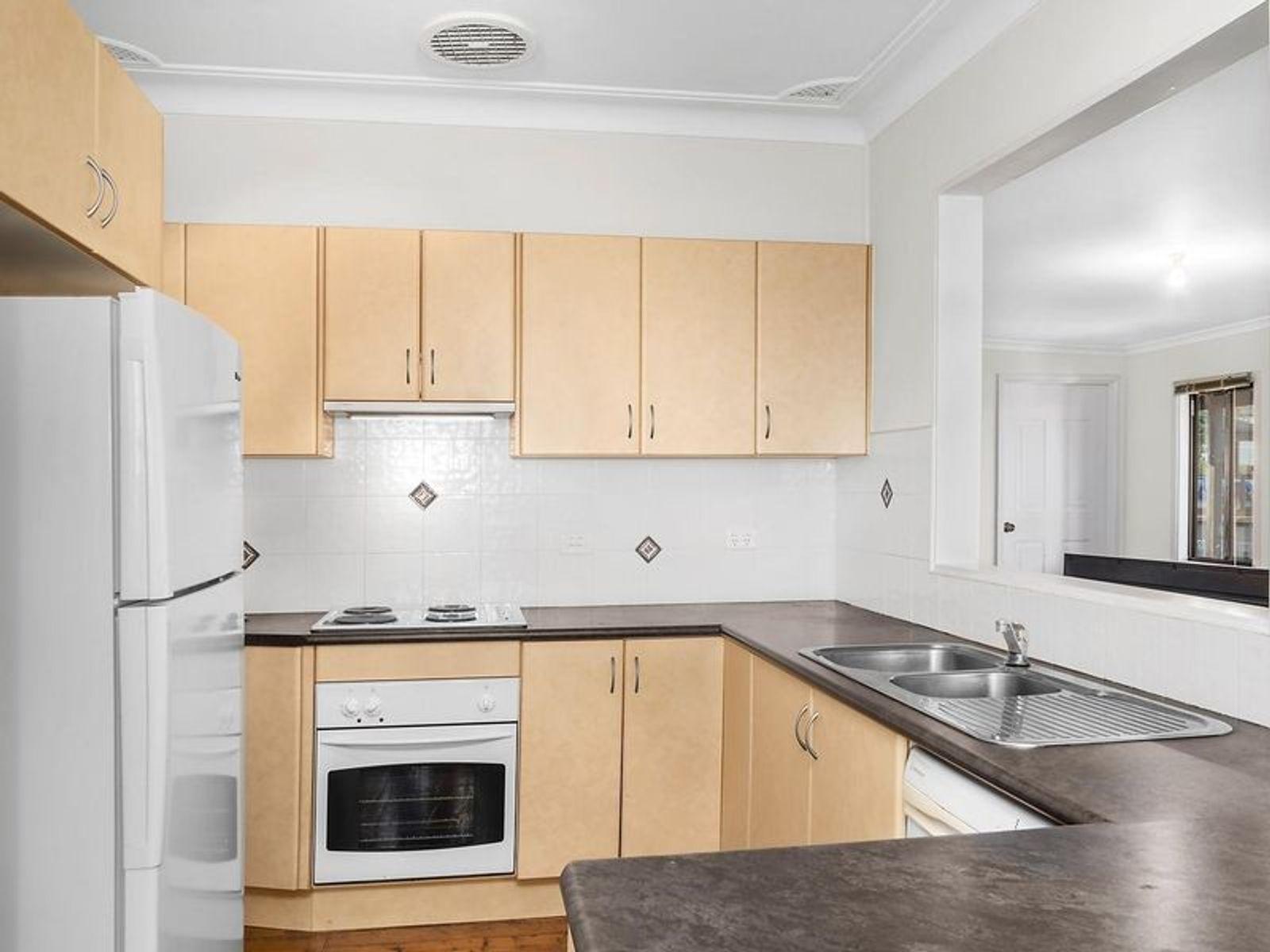 35 Sacramento Avenue, Macquarie Hills, NSW 2285