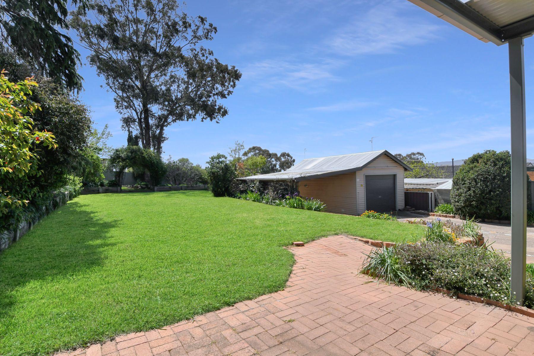 1 Isaacs Street, West Bathurst, NSW 2795