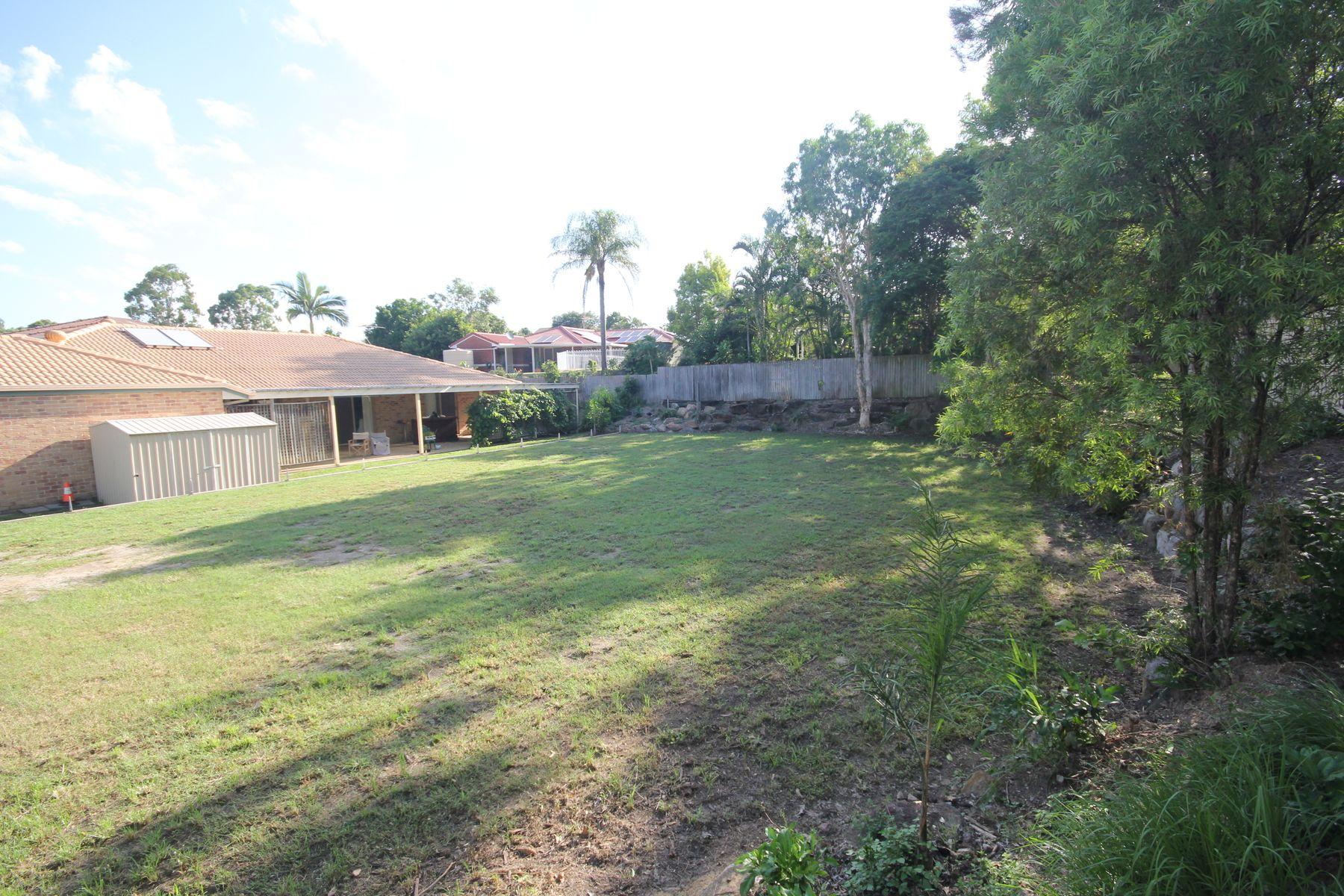 1 Broadwater Way, Forest Lake, QLD 4078