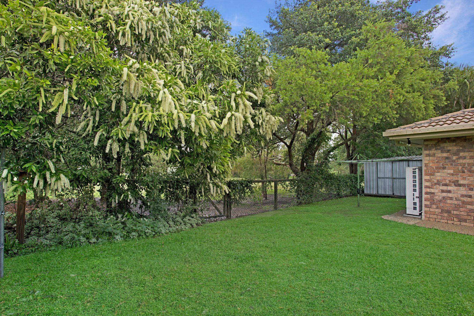 4 Maxwell Place, Wynnum West, QLD 4178