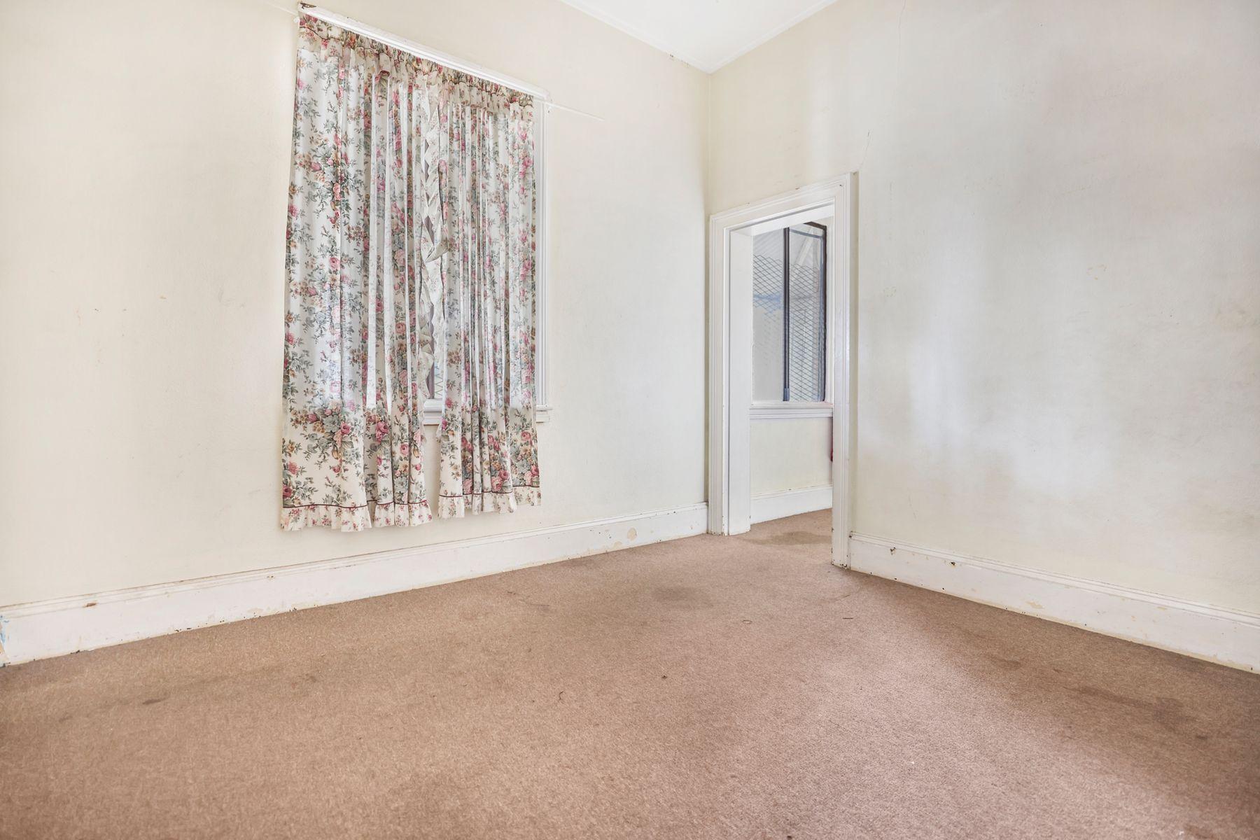 73 Bentinck Street, Bathurst, NSW 2795