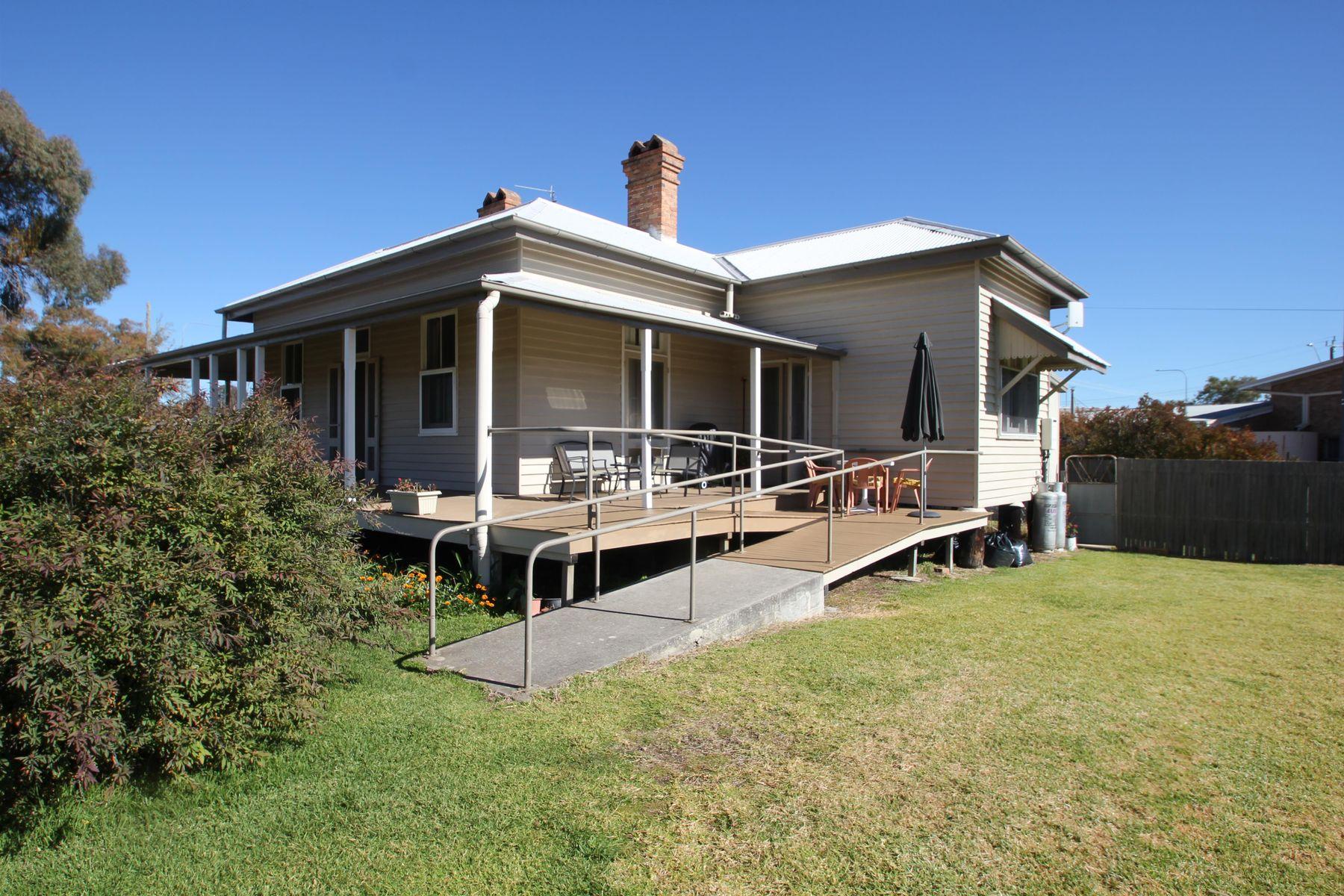 66 Rockwell Street, Wallangarra, QLD 4383
