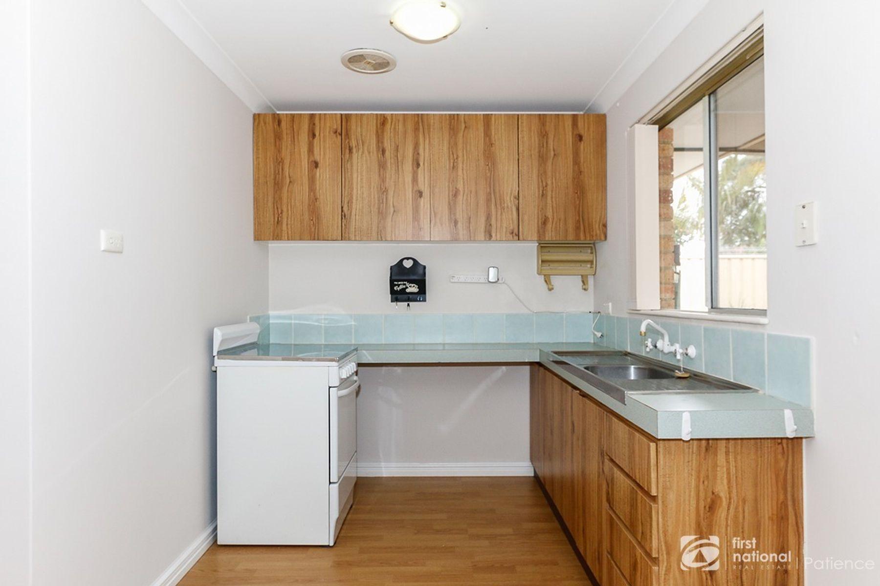 5 Fosbery Court, Wanneroo, WA 6065