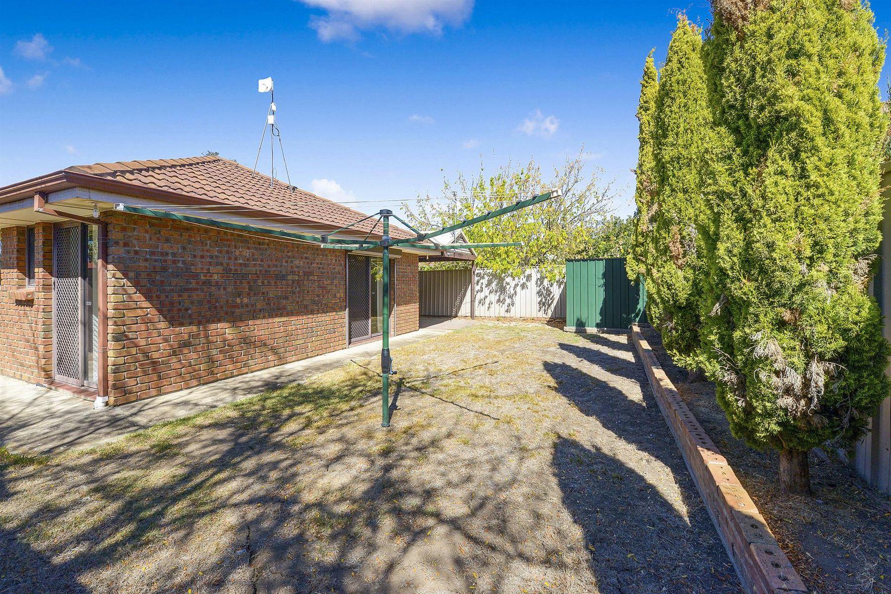 10 Wickham Crescent, Oakden, SA 5086