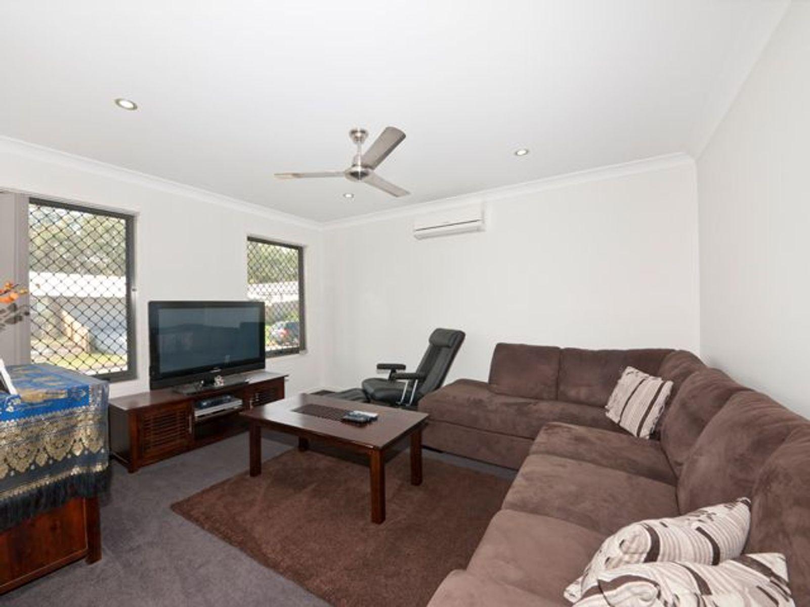 11 Winchester Crescent, Pimpama, QLD 4209