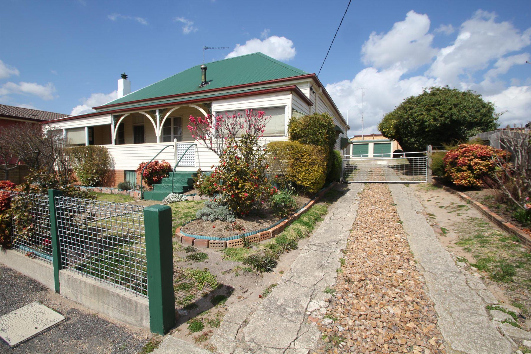 81 Miles Street, Tenterfield, NSW 2372