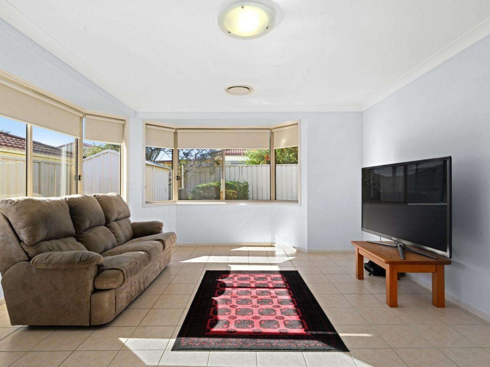 8 Hercules Place, Hamlyn Terrace, NSW 2259
