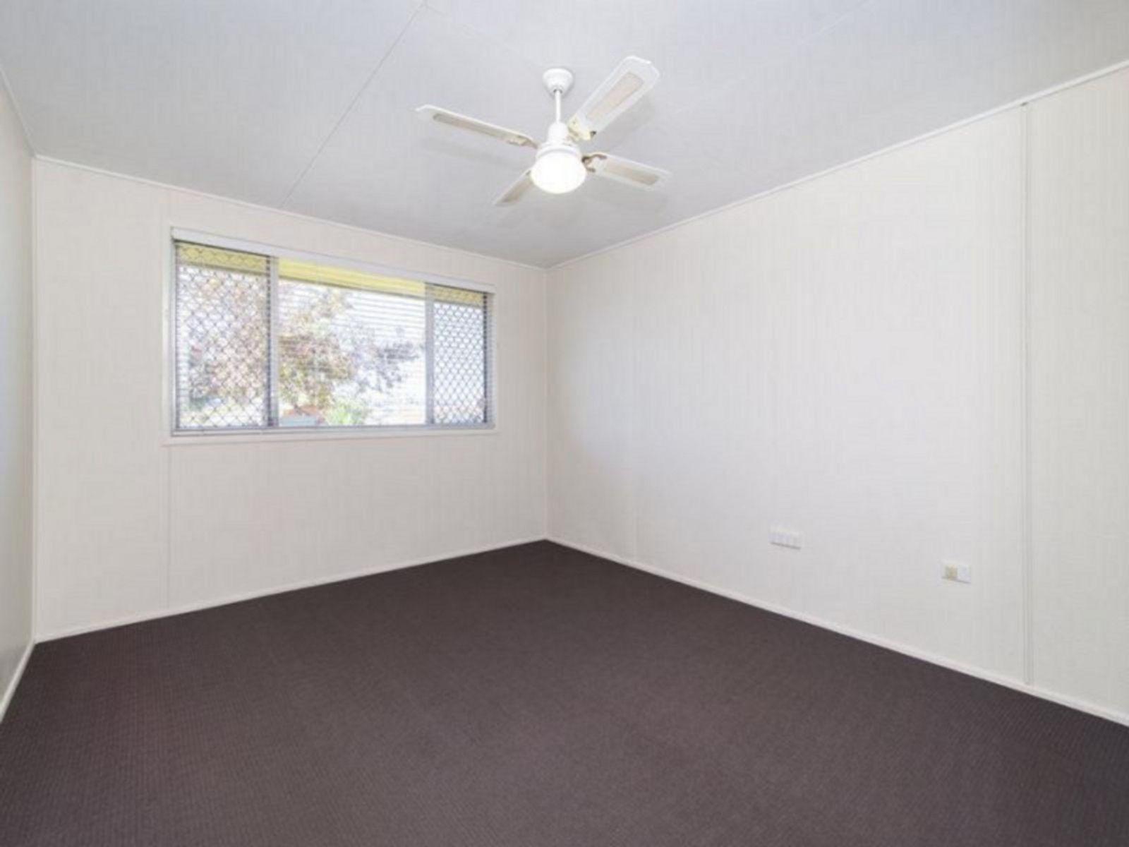 57 Noll Street, Kearneys Spring, QLD 4350