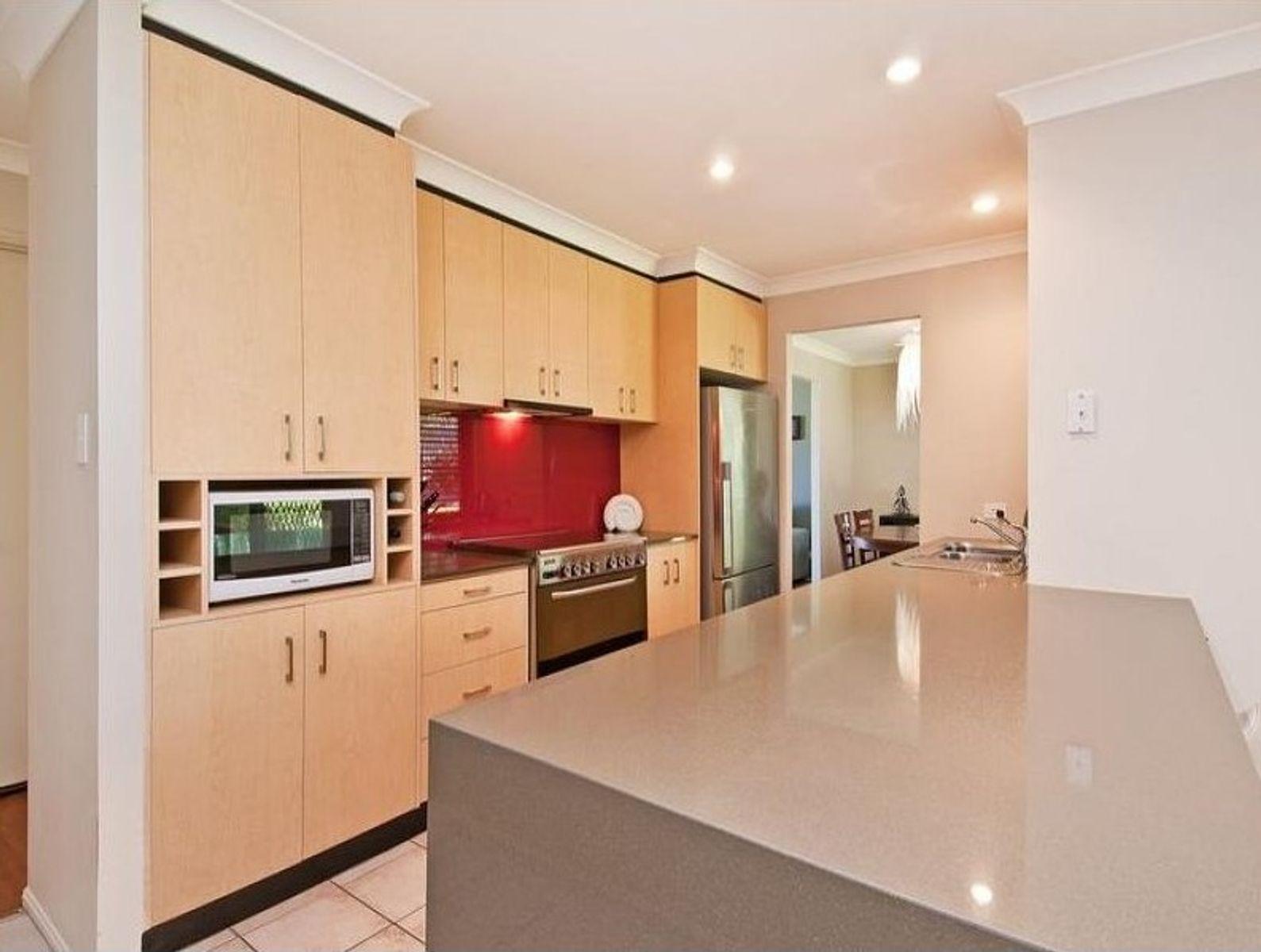 36 Melbourne Road, Arundel, QLD 4214