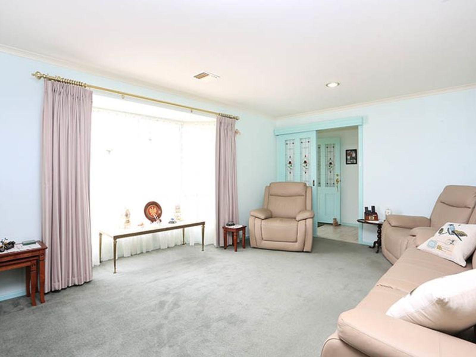 17 Pedare Court, Wynn Vale, SA 5127