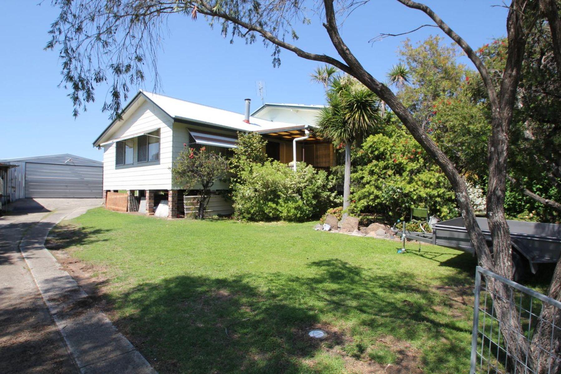 61 Rayleigh Street, Wallangarra, QLD 4383