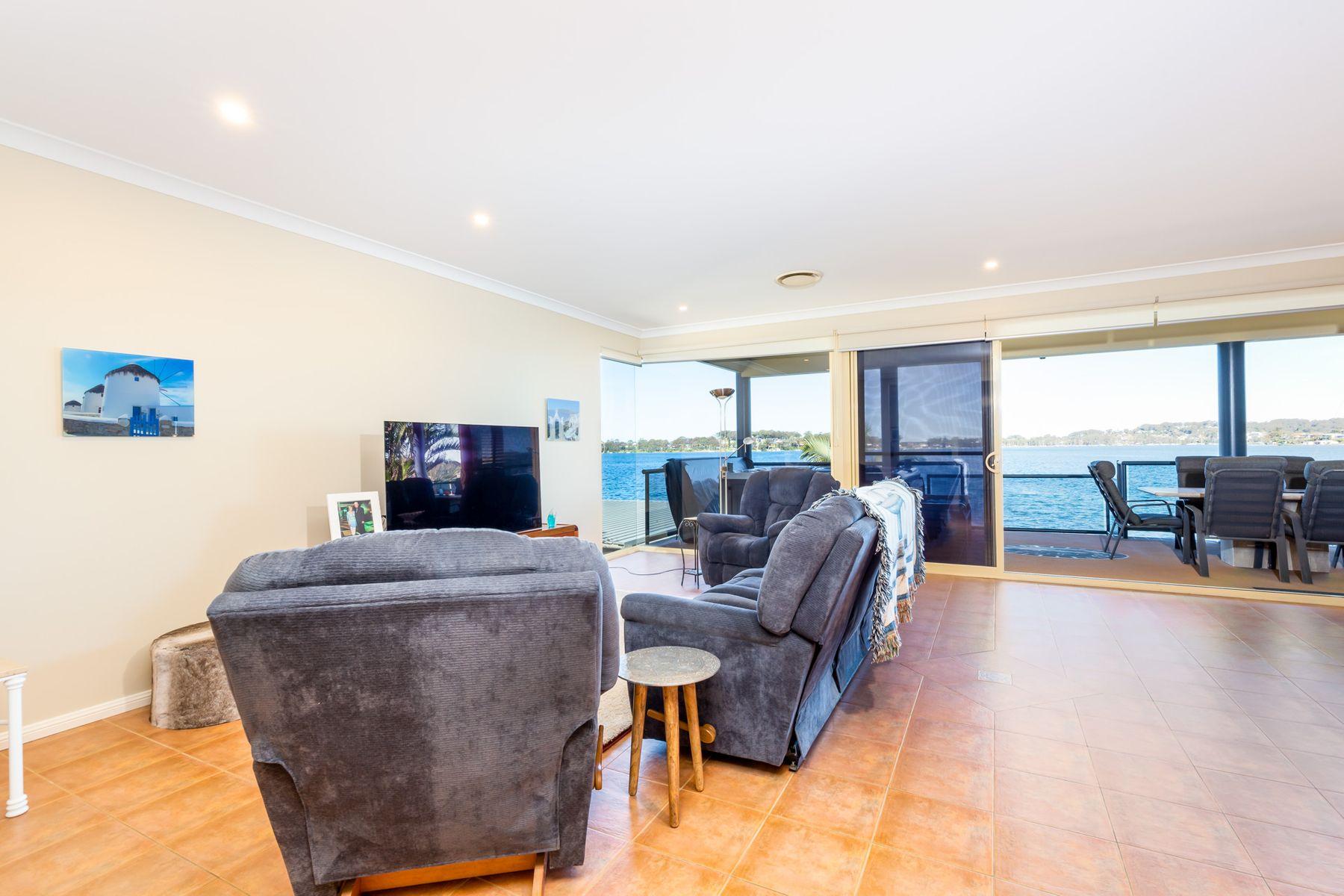 30 Sealand Road, Fishing Point, NSW 2283