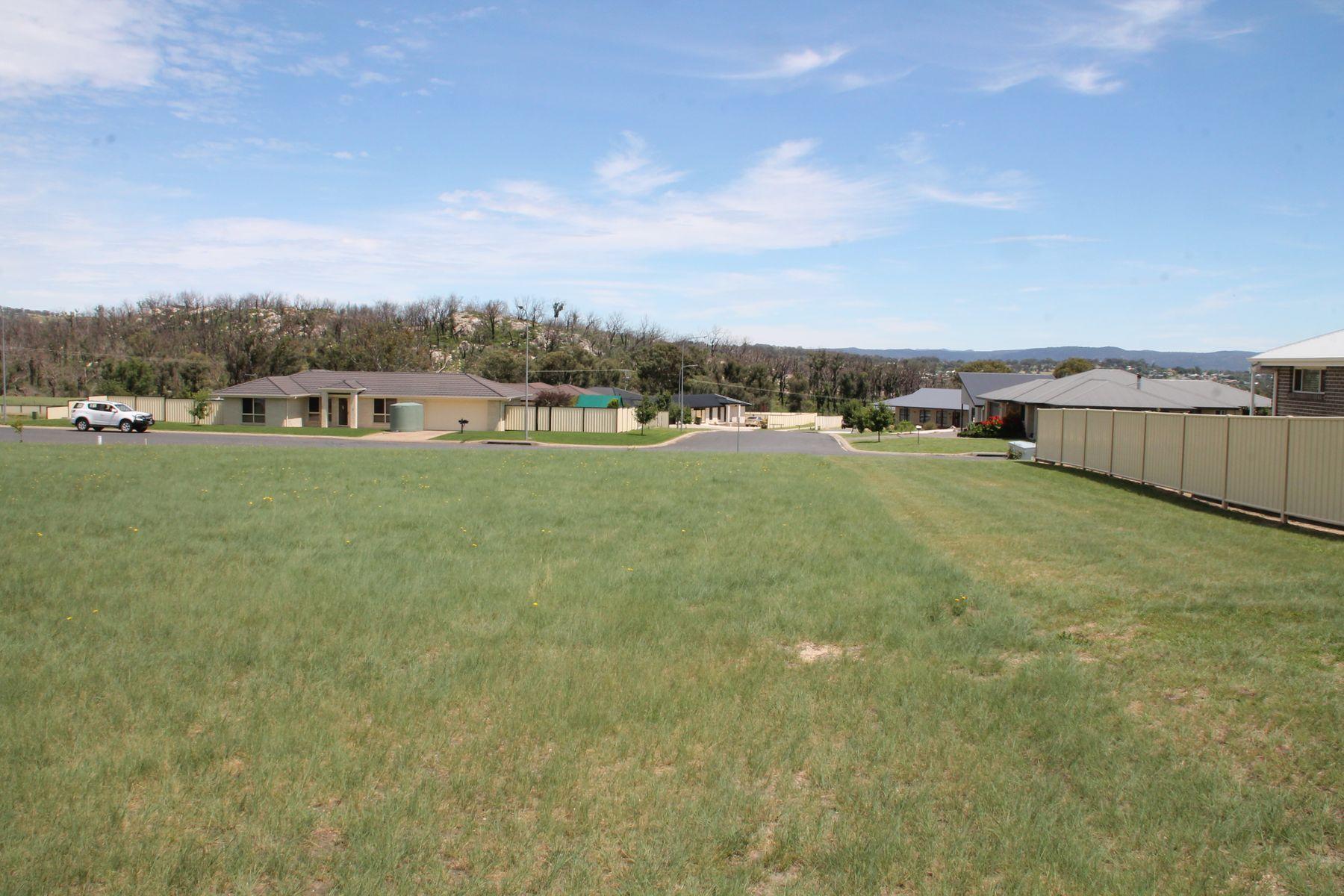 10 Parkes Drive, Tenterfield, NSW 2372