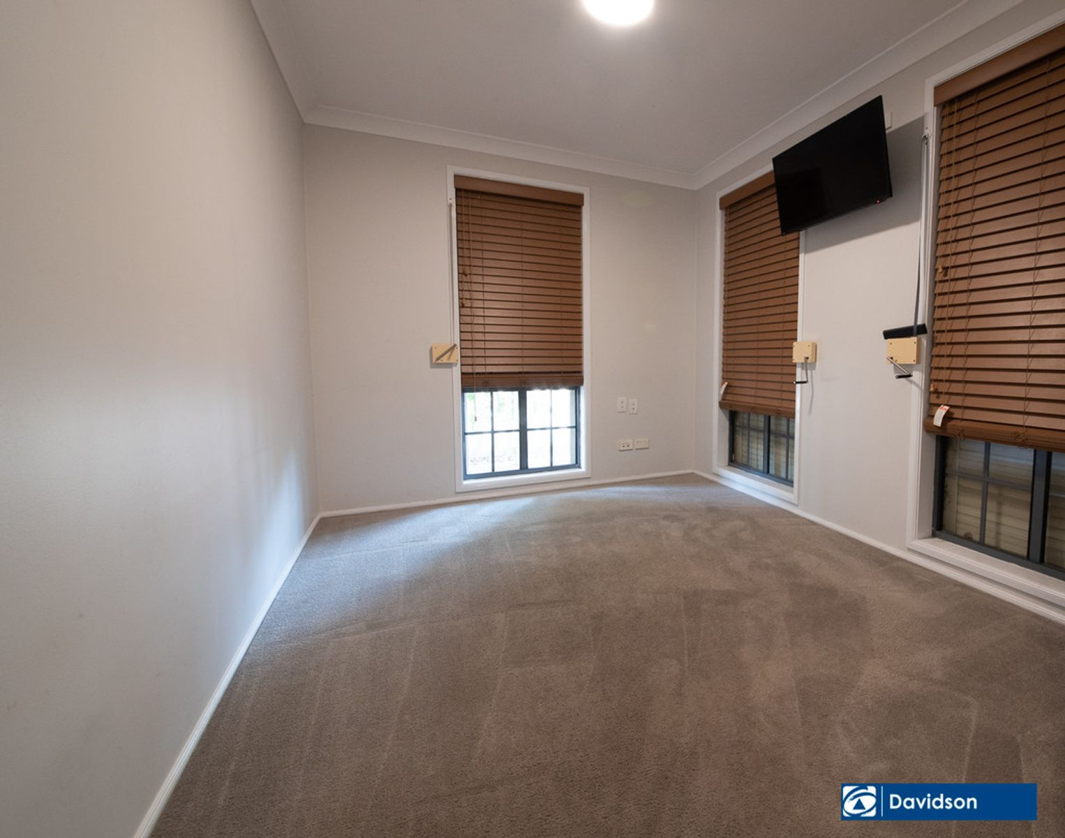 2 Ovens Close, Horningsea Park, NSW 2171