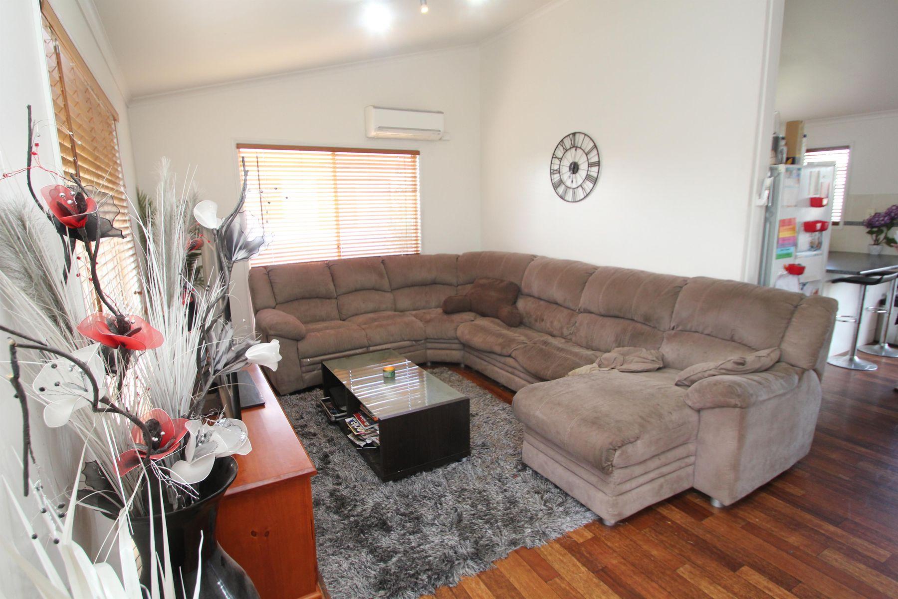 92 Bulwer Street, Tenterfield, NSW 2372