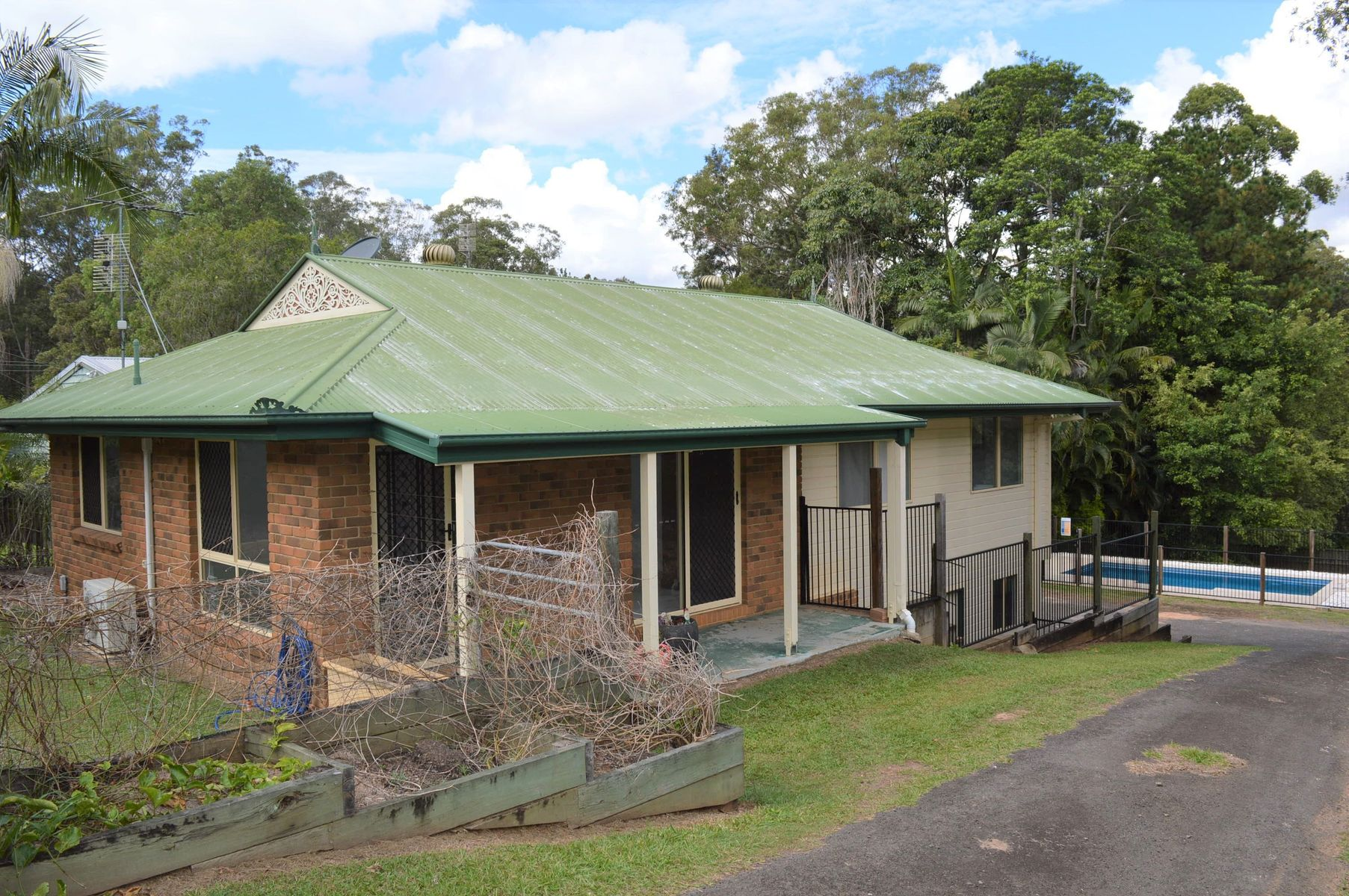 11 Youngs Road, Glass House Mountains, QLD 4518