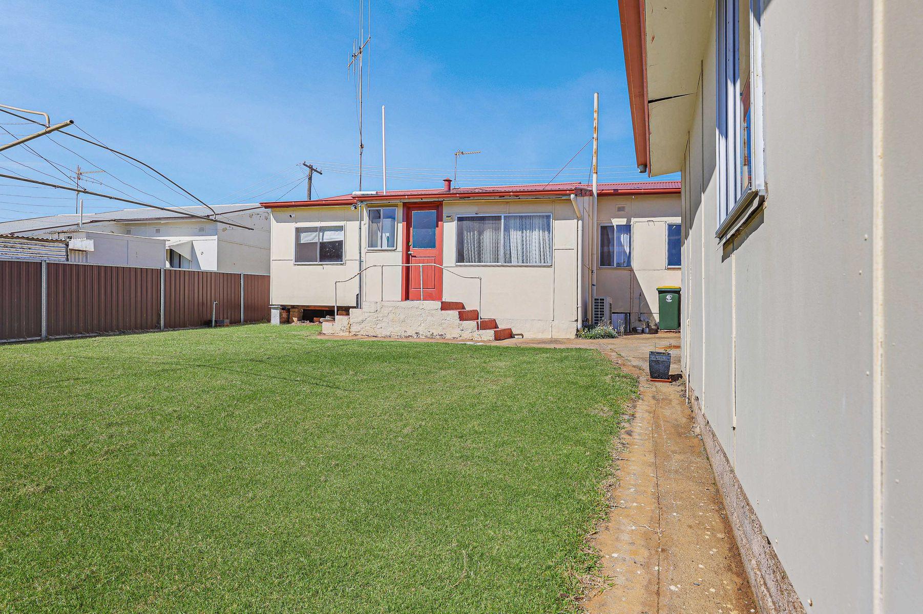 16 Alamein Walk, West Bathurst, NSW 2795