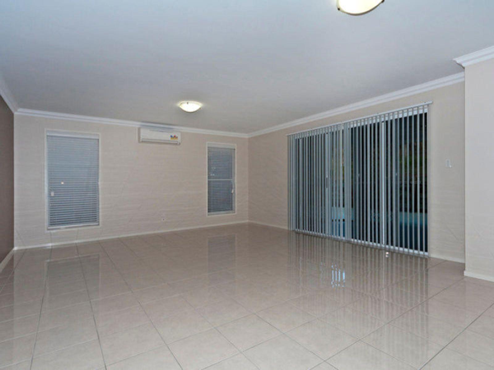 88 Hogg Street, Rockville, QLD 4350